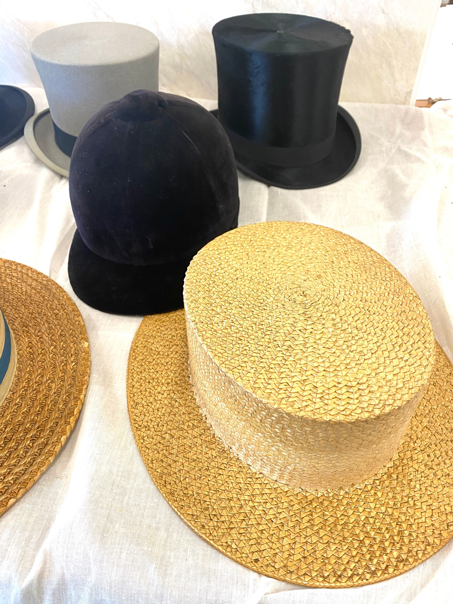 Selection of vintage mens Bowler, Top and horse riding hats - Image 2 of 7