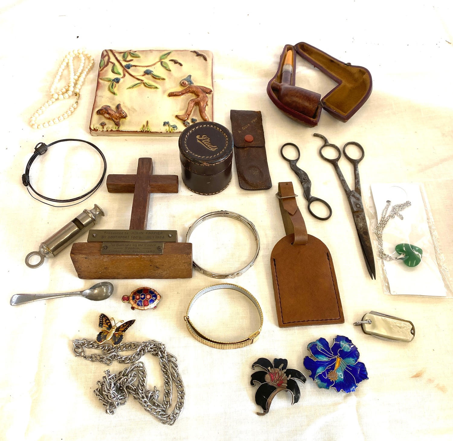 Tray of miscellaneous includes jewellery, pipe etc