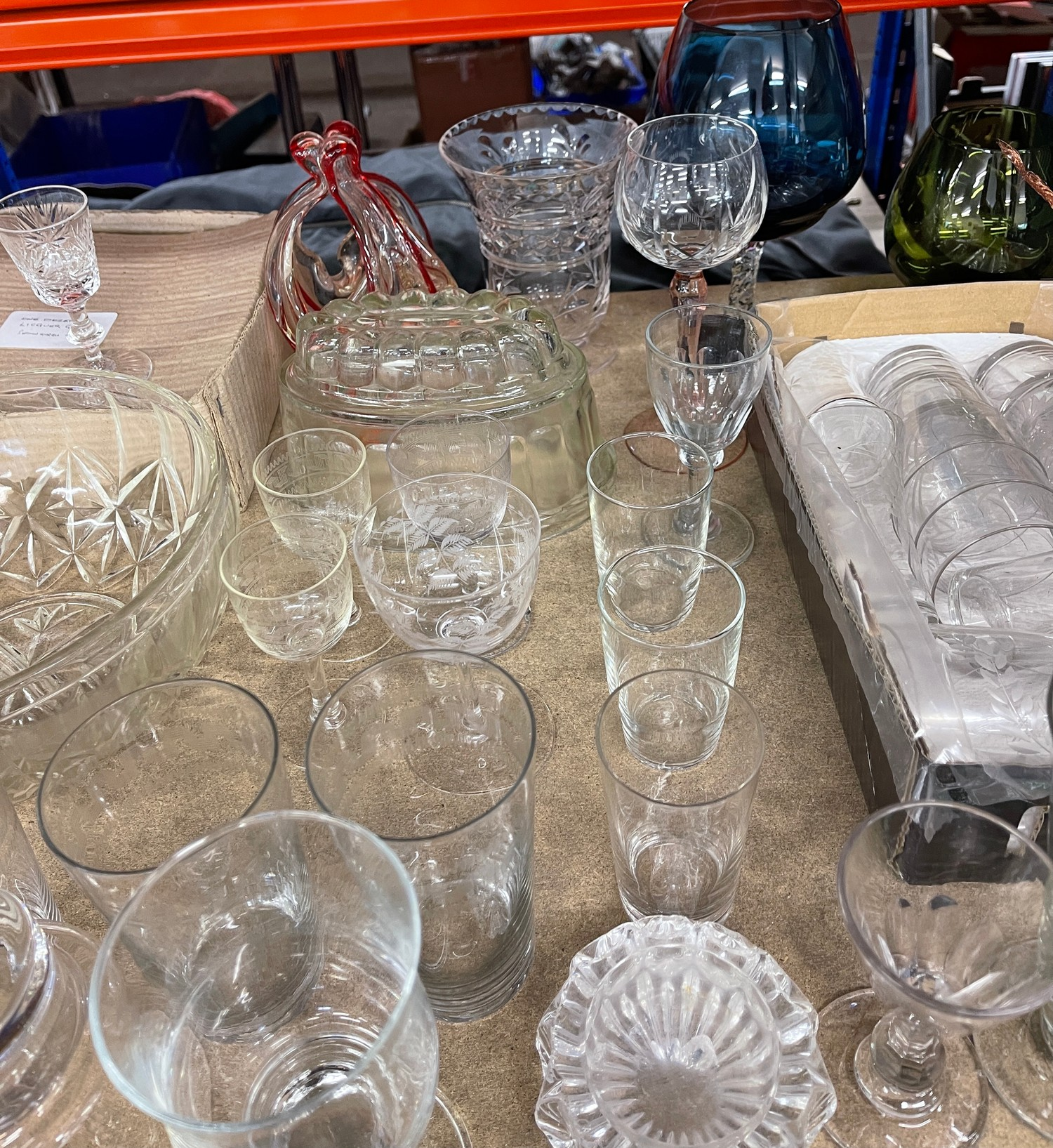 Large selection of assorted vintage and later glassware - Image 3 of 5