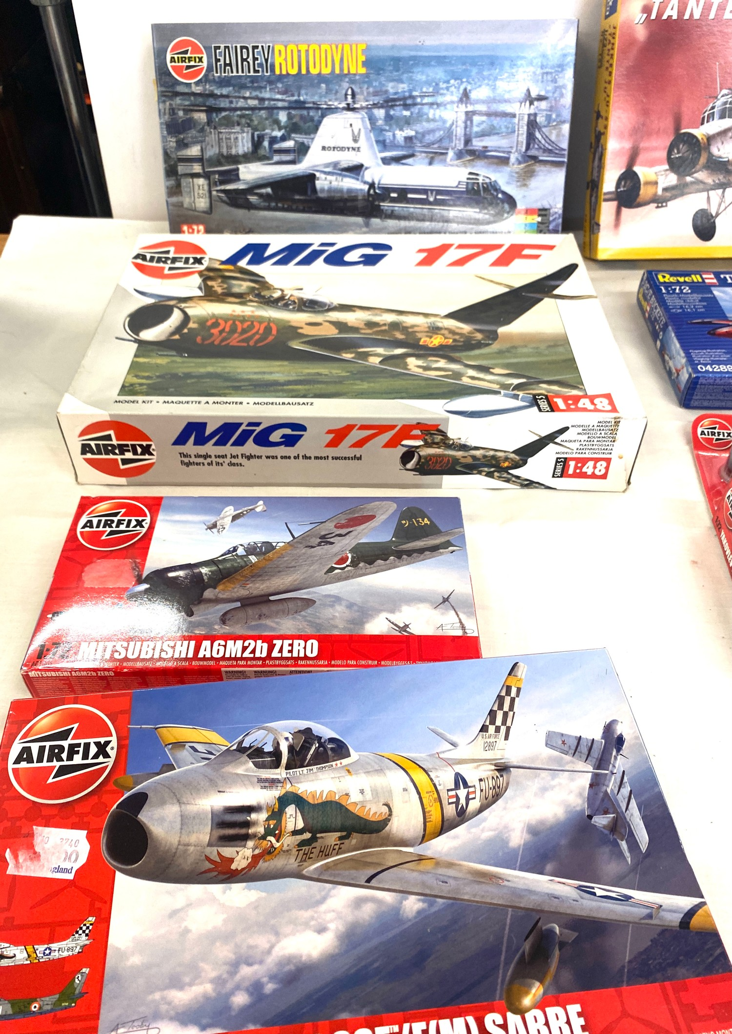 Selection of 8 boxed craft models to include, Airfix Fairey Rotodyne, Junkers JU-52, Mig 17F, - Image 3 of 3