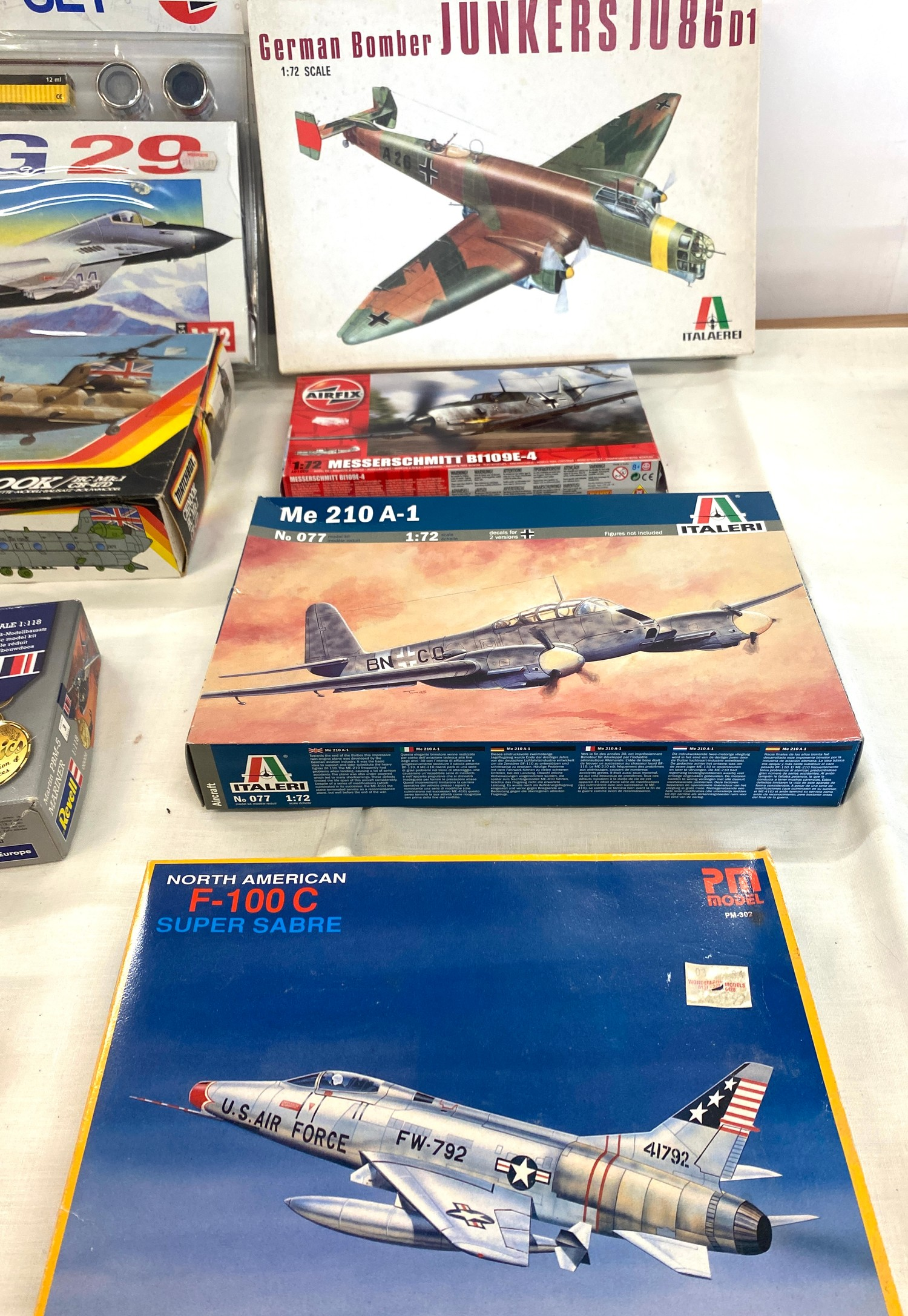 Selection of 8 boxed craft models to include, German bomber Junkers Ju86D1, Matchbox Chinook, Airfix - Image 2 of 3