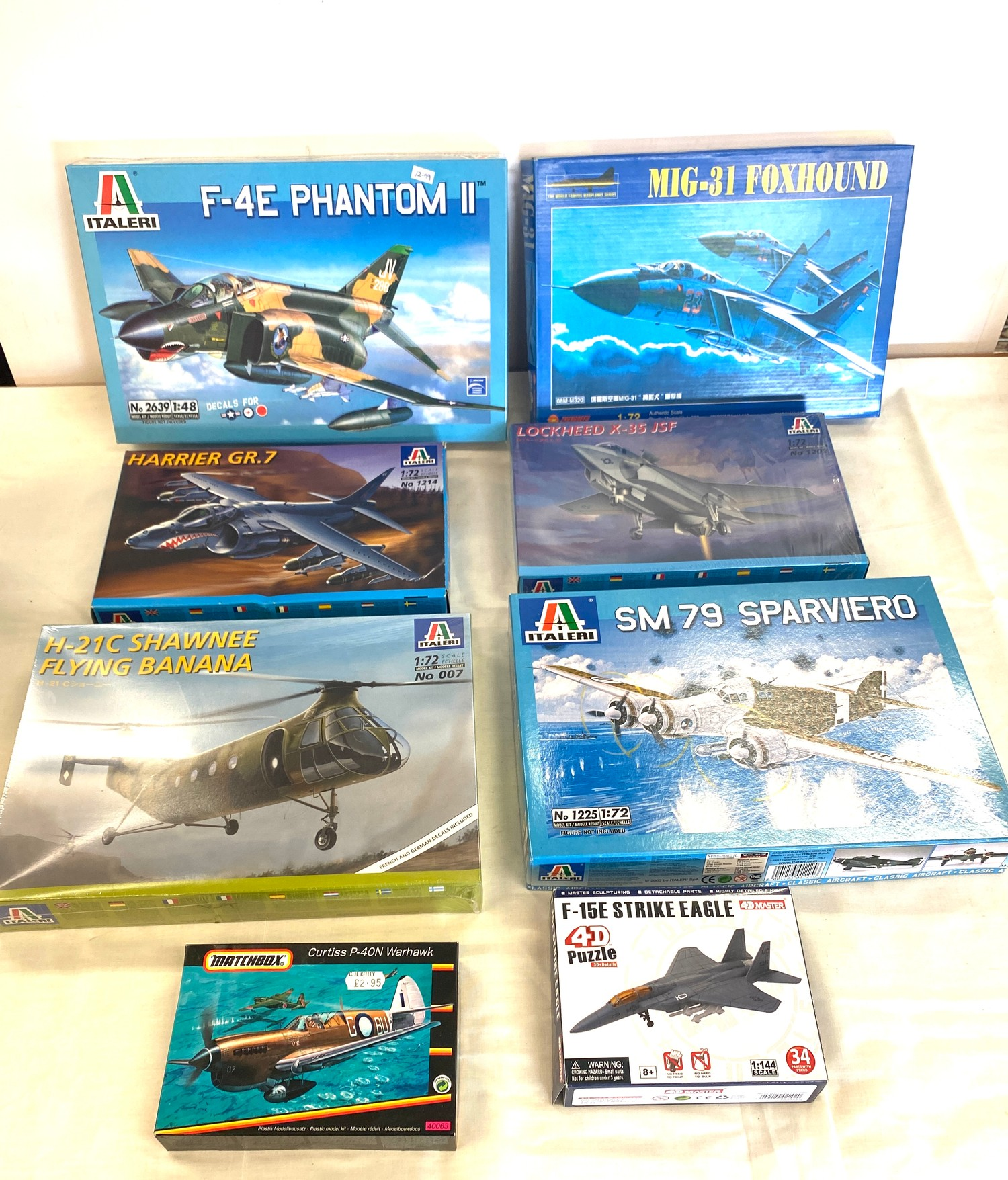 Selection of 8 boxed craft models to include, Shawnee flying banana, Sparviero SM79, Lockheed x-35