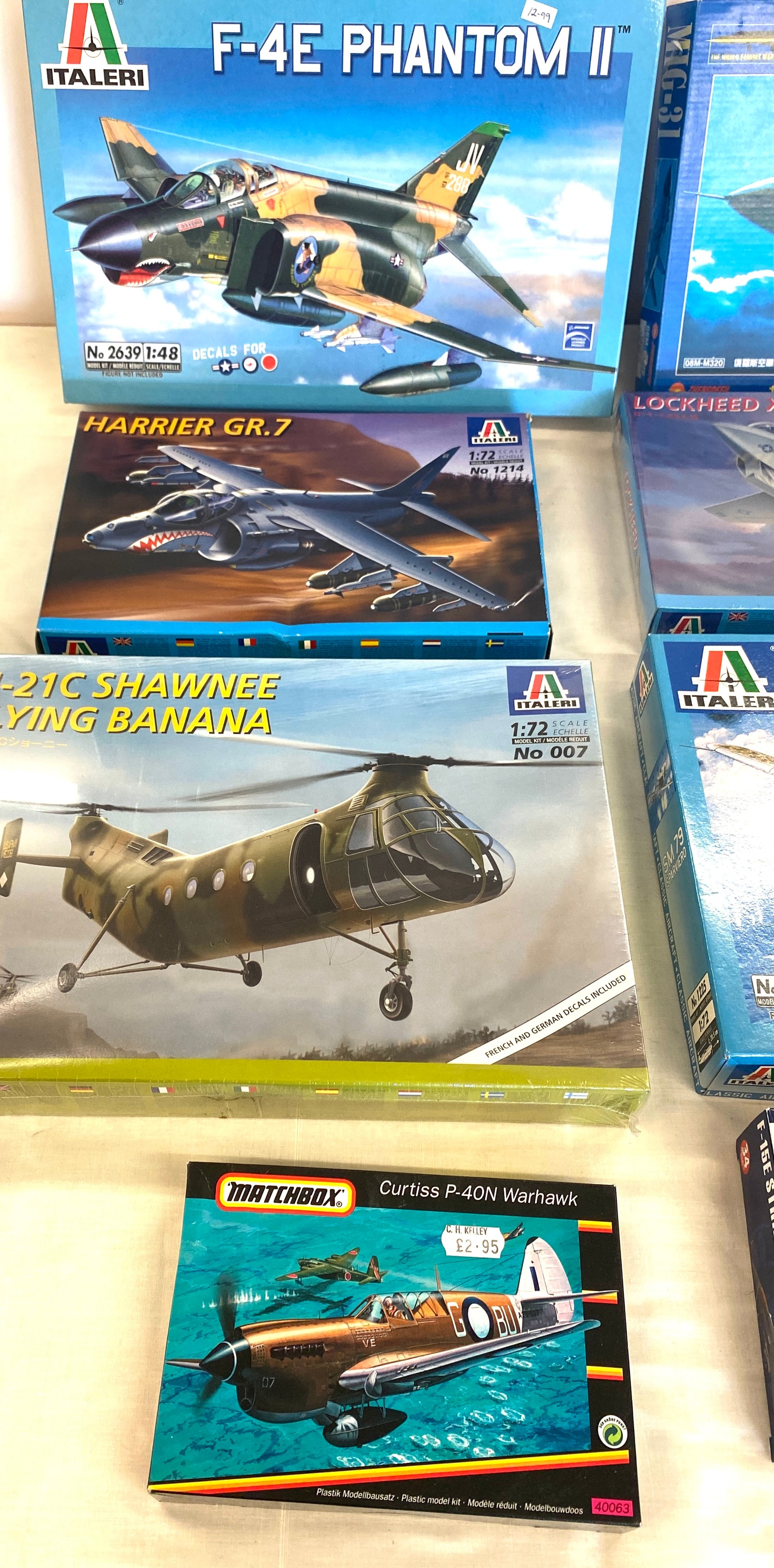 Selection of 8 boxed craft models to include, Shawnee flying banana, Sparviero SM79, Lockheed x-35 - Image 3 of 3