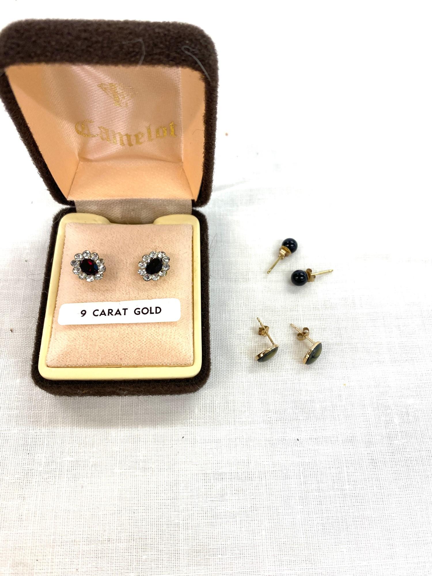 3 Pairs of 9ct earrings
