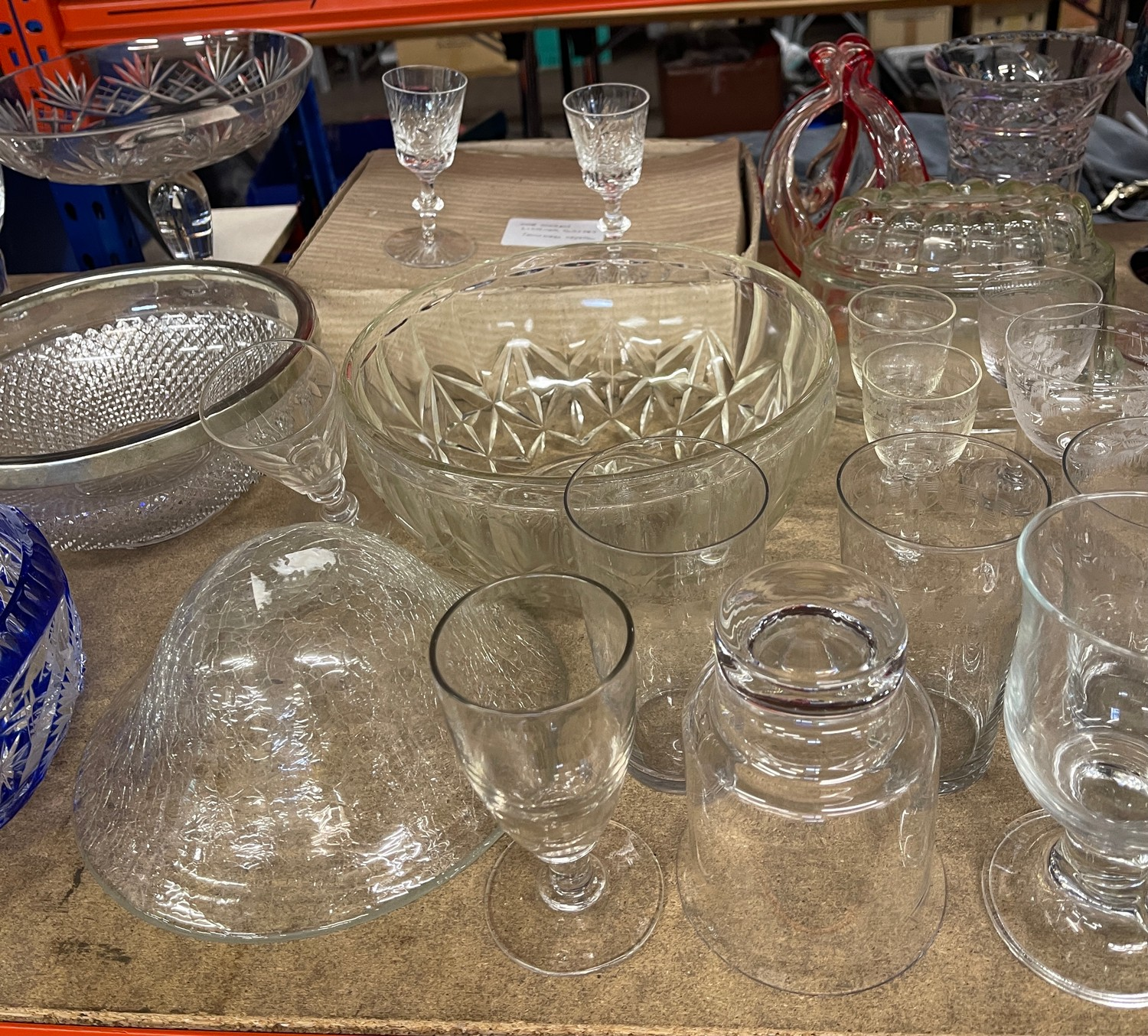 Large selection of assorted vintage and later glassware - Image 4 of 5