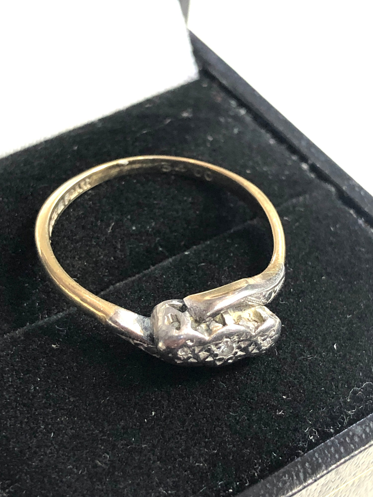 Antique 18ct & platinum diamond trilogy ring weight 2.8g - Image 3 of 4
