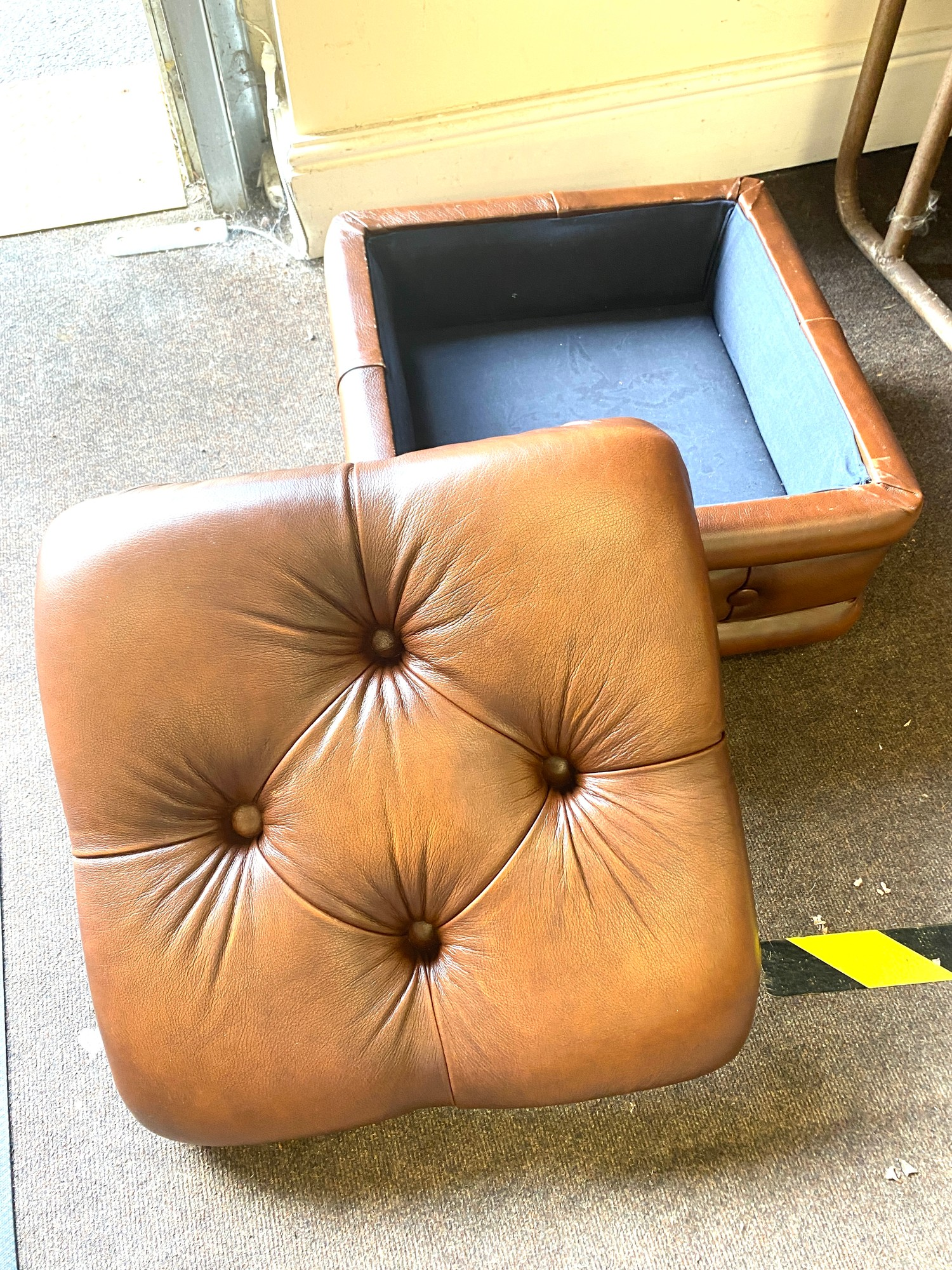 Chesterfield food stool with storage - very good condition - Image 2 of 2