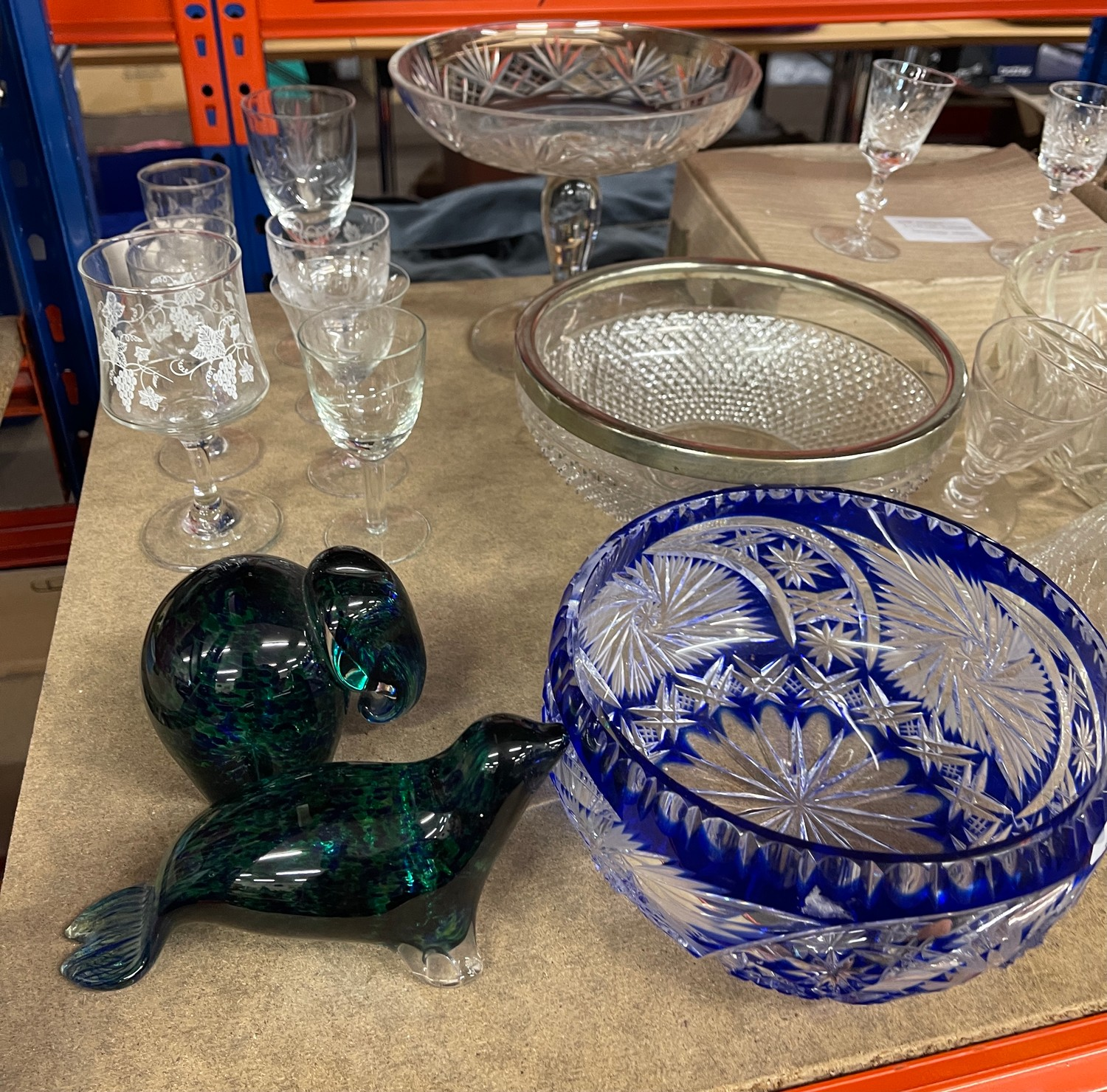 Large selection of assorted vintage and later glassware - Image 5 of 5