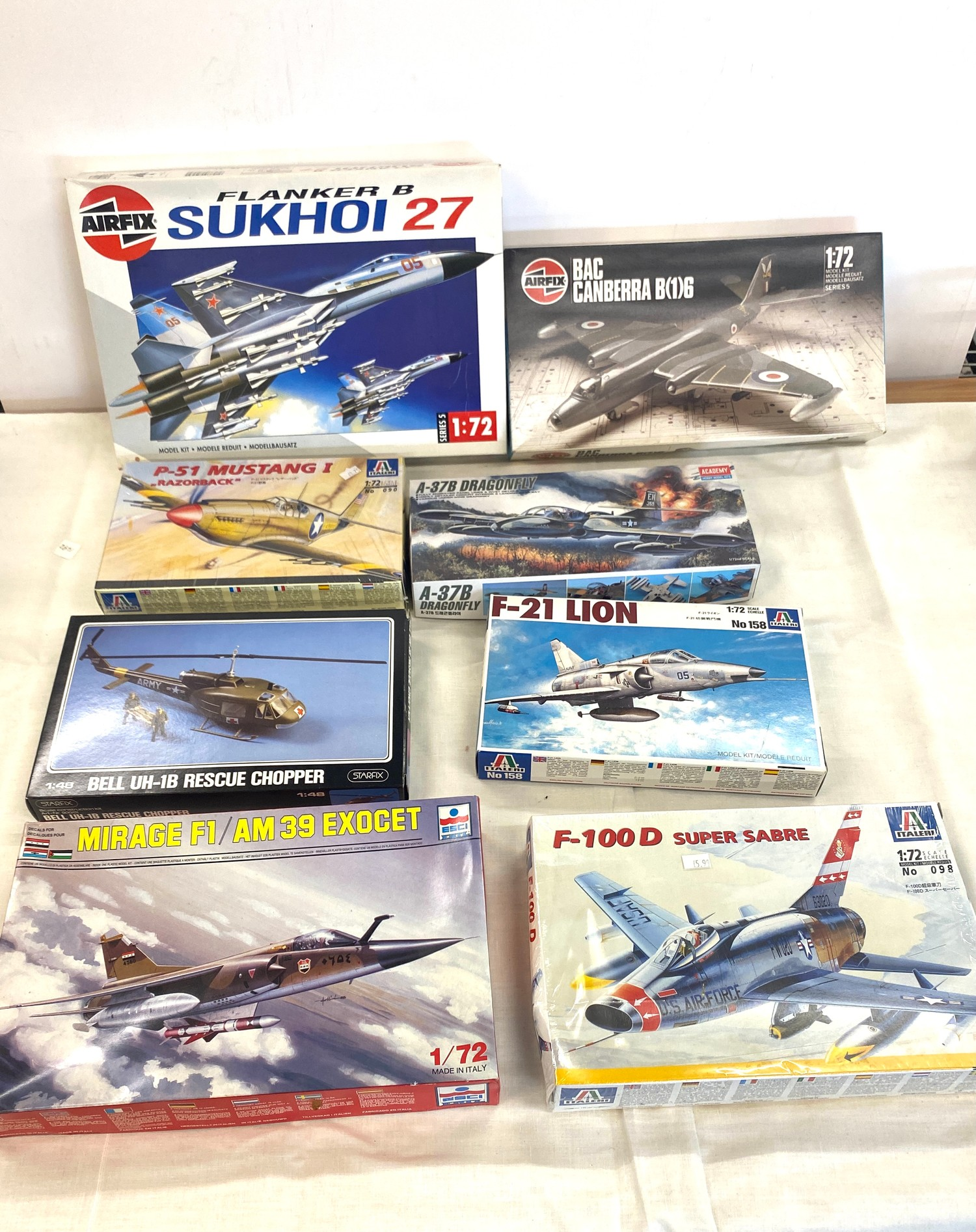 Selection of 8 boxed craft models to include, Airfix Sukhoi 27, Mirage F1, F-21 Lion, Bell vUH-1B