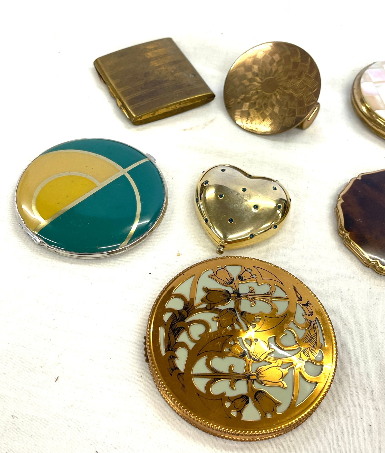Selection of vintage ladies compacts - Image 2 of 3