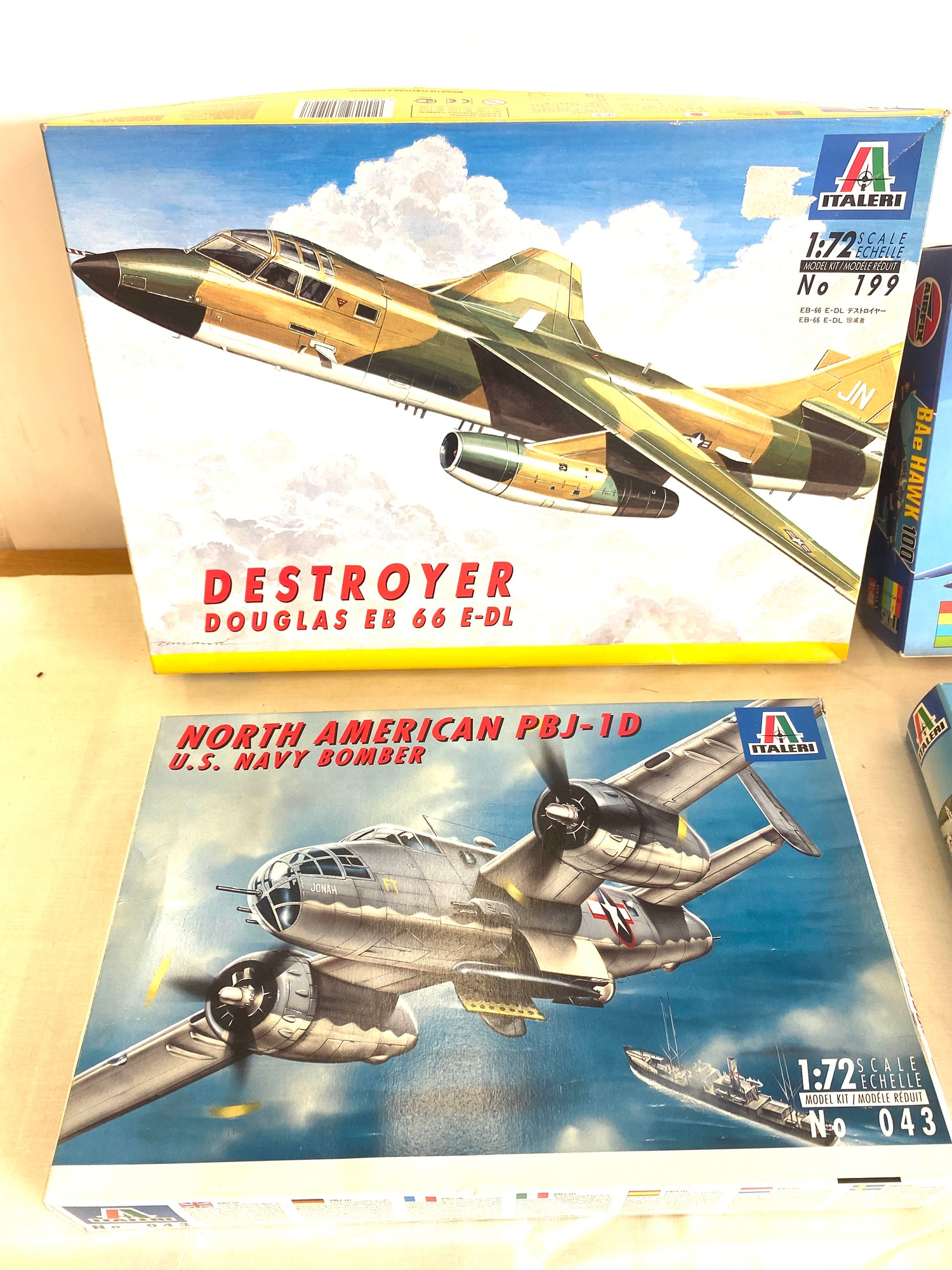 Selection of 4 boxed model air crafts includes, Destroyer Douglas EB 66 E-DL, Airfix BAe Hawk 100, - Image 3 of 3