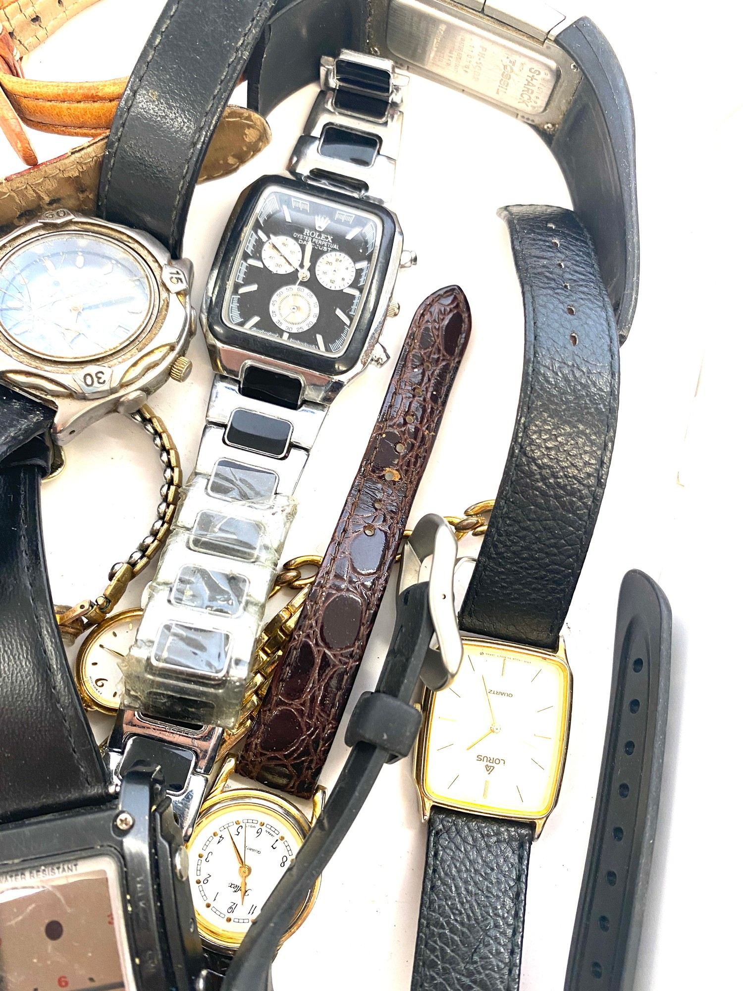 Tray of assorted watches all untested - Image 4 of 4