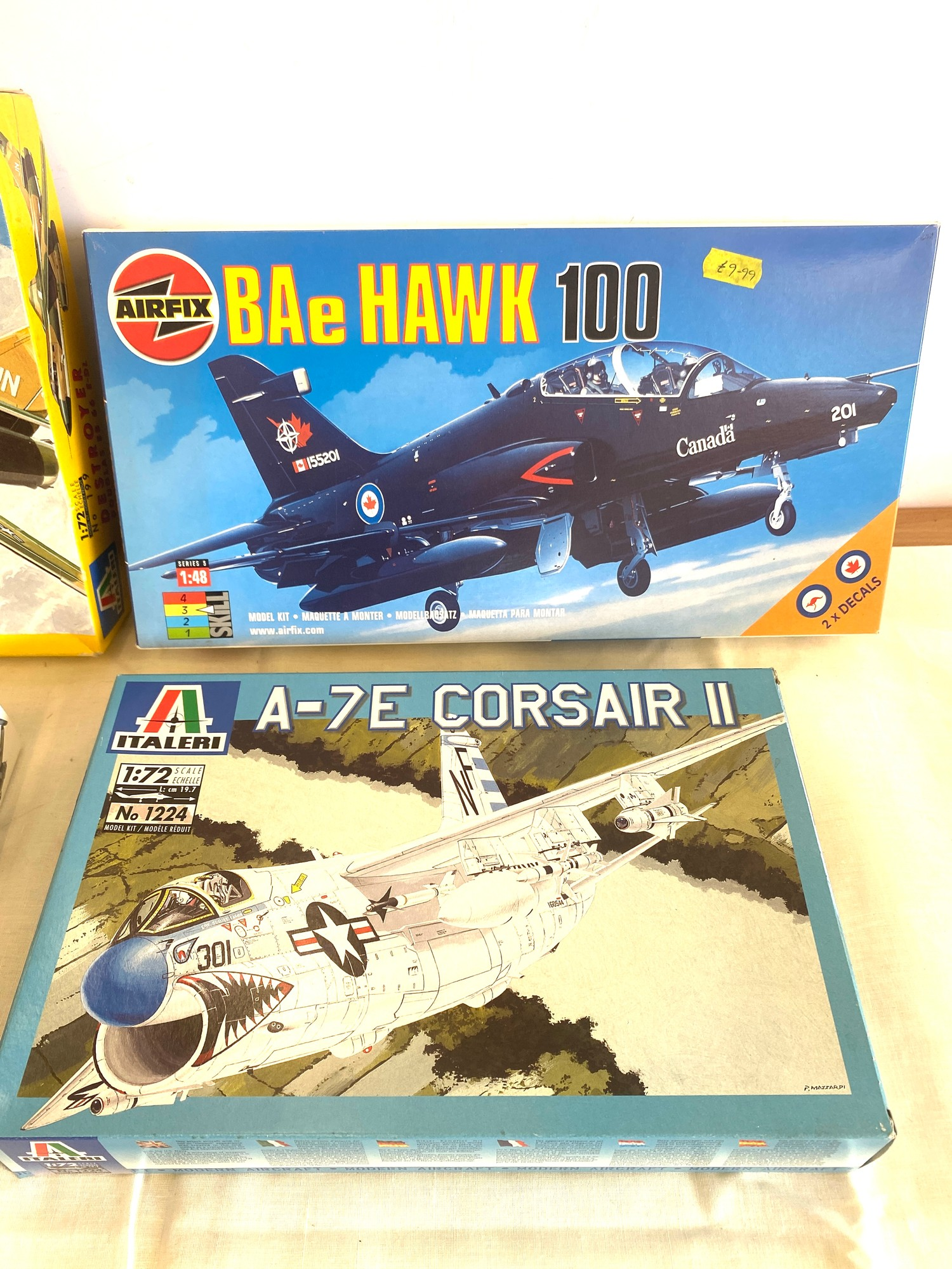 Selection of 4 boxed model air crafts includes, Destroyer Douglas EB 66 E-DL, Airfix BAe Hawk 100, - Image 2 of 3