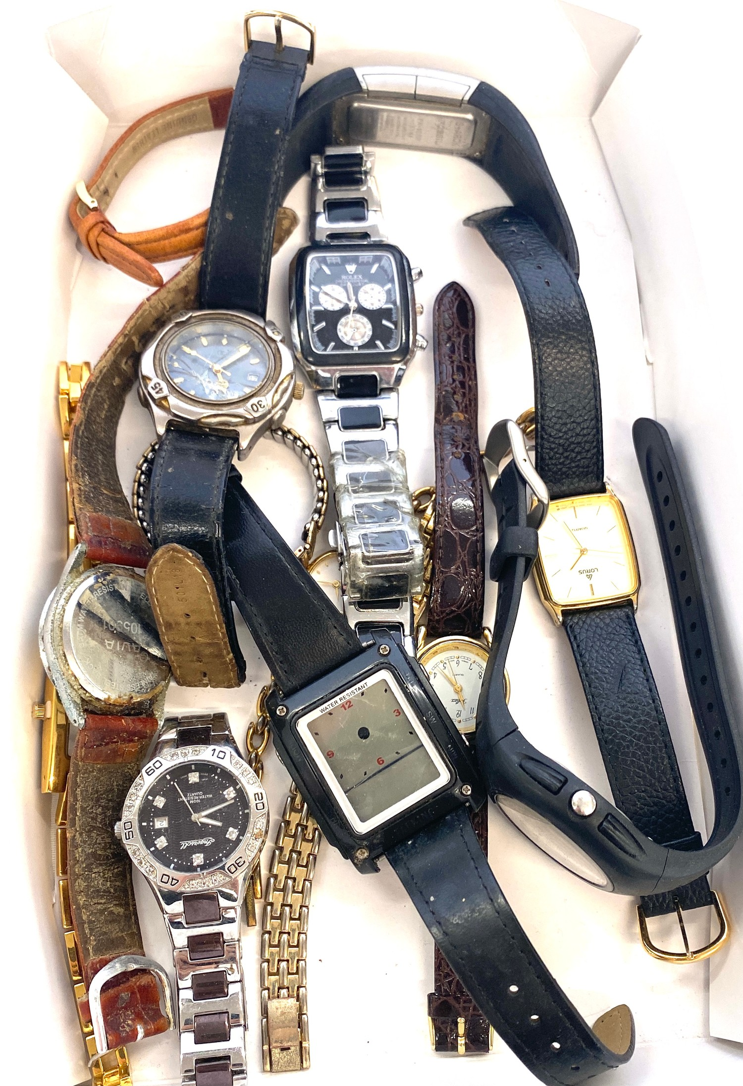 Tray of assorted watches all untested
