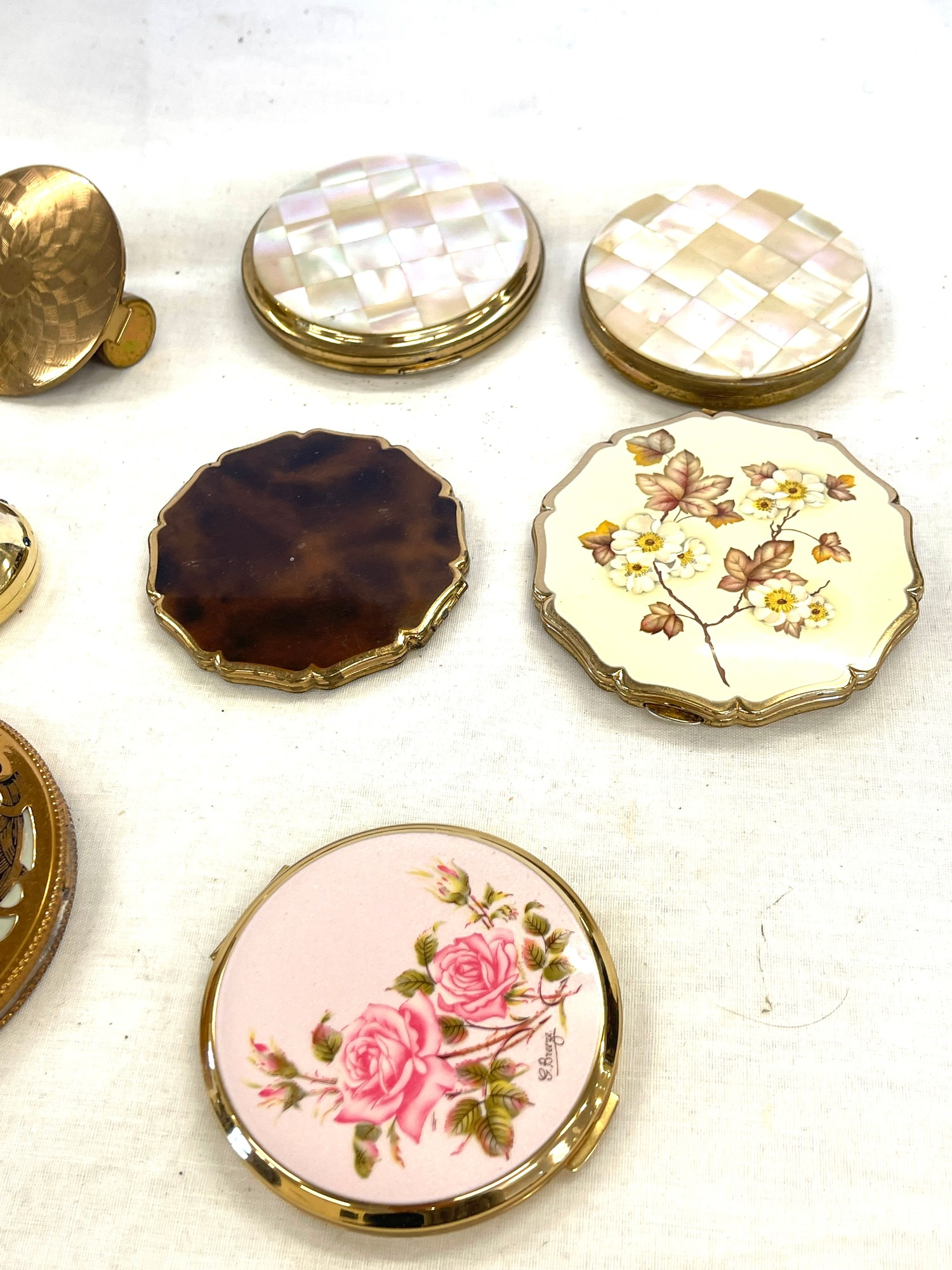 Selection of vintage ladies compacts - Image 3 of 3