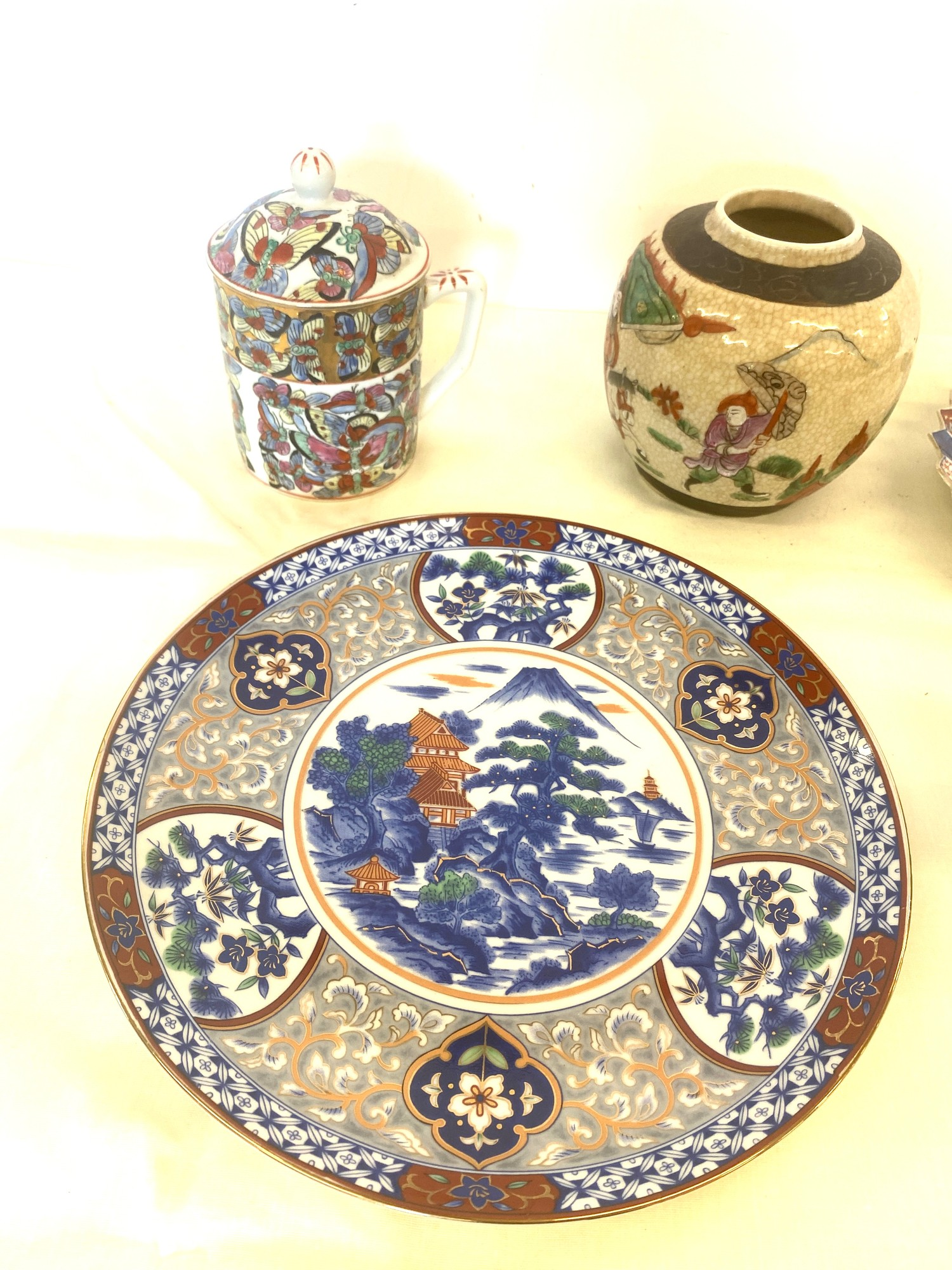 Selection of oriental pottery items - Image 2 of 4