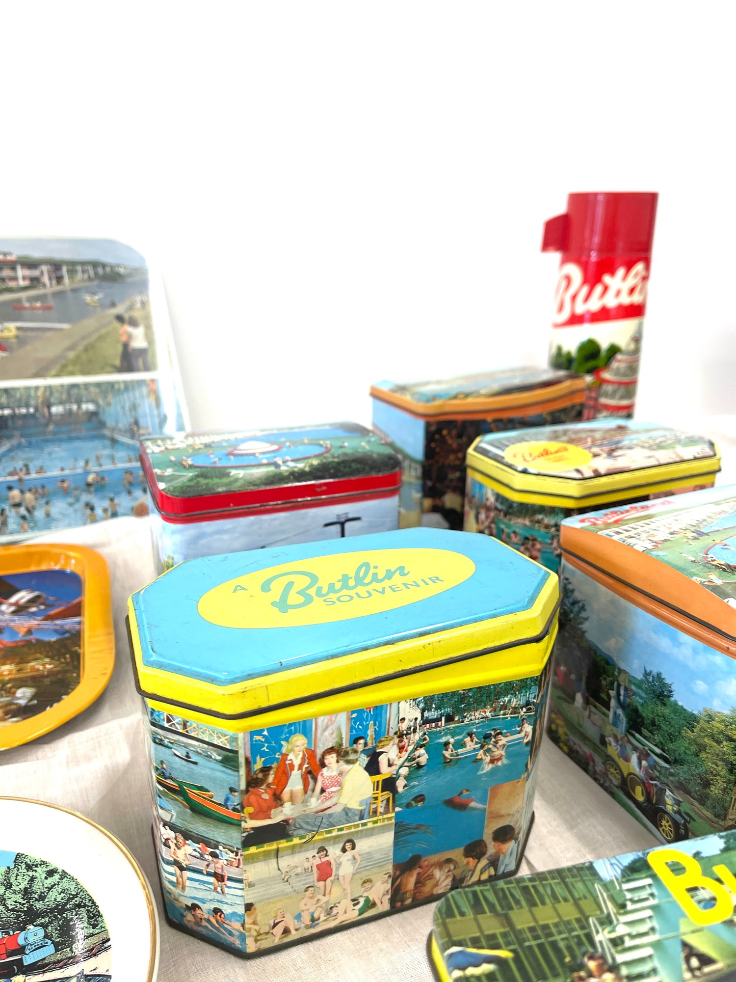 Selection vintage Butlins advertising tins, tray, flask, stanhope - Image 4 of 5