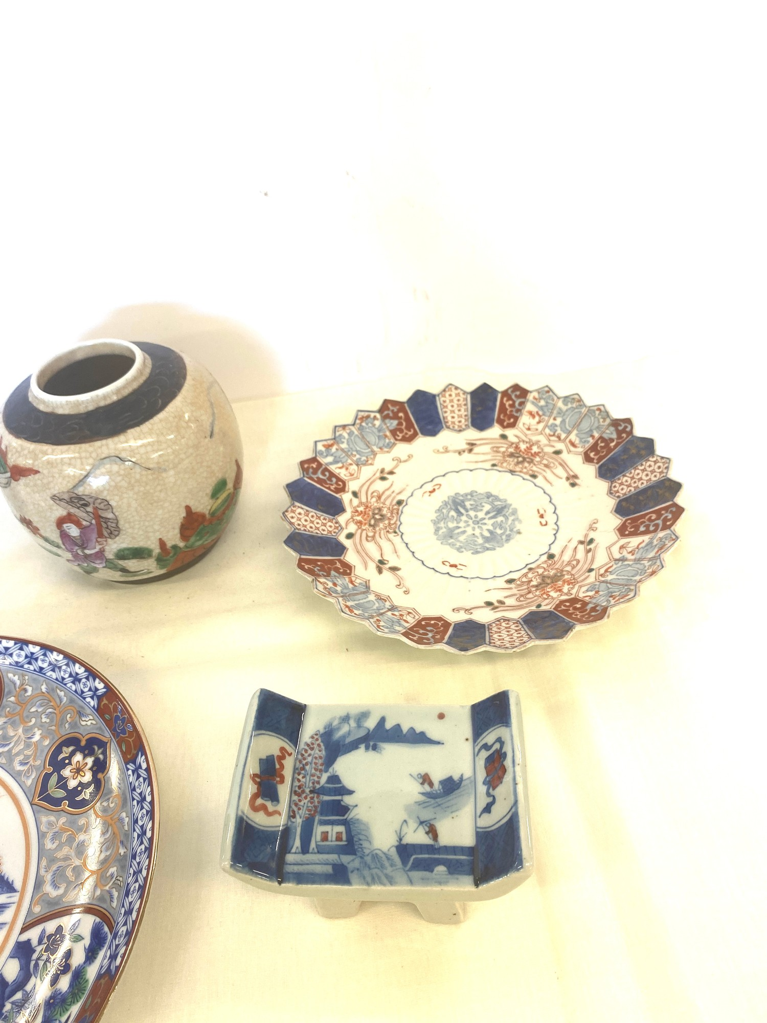 Selection of oriental pottery items - Image 3 of 4