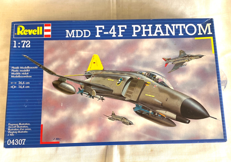 2 boxed craft models, Revell Lockhead P2 v-7, Mdd F-4F Phantom 04307 - Image 2 of 2