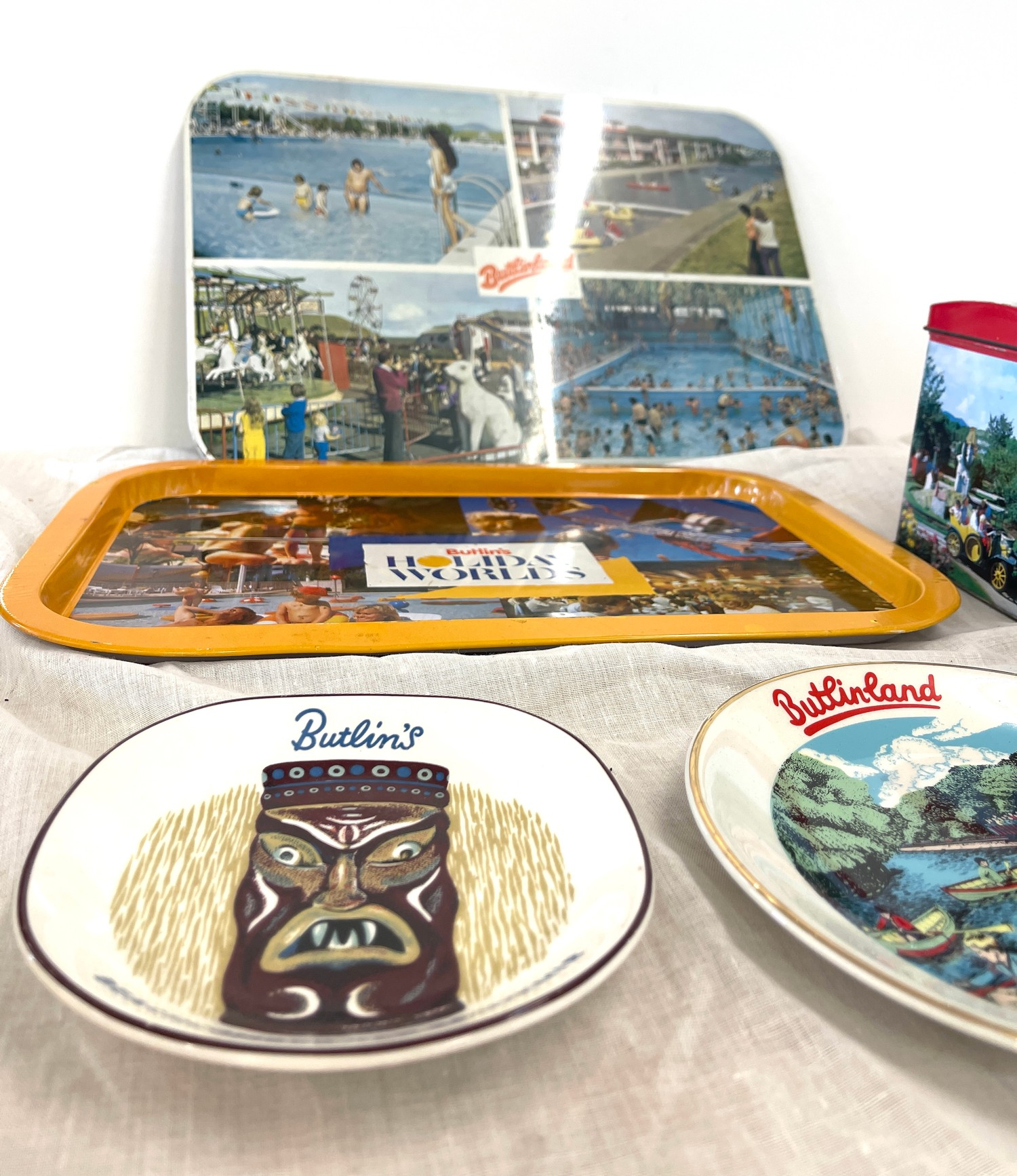 Selection vintage Butlins advertising tins, tray, flask, stanhope - Image 5 of 5