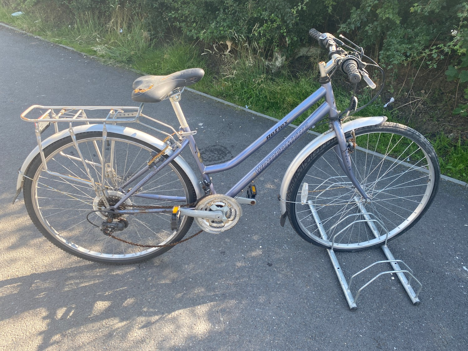 Windermere reflex ladies country bicycle - slight rip to seat