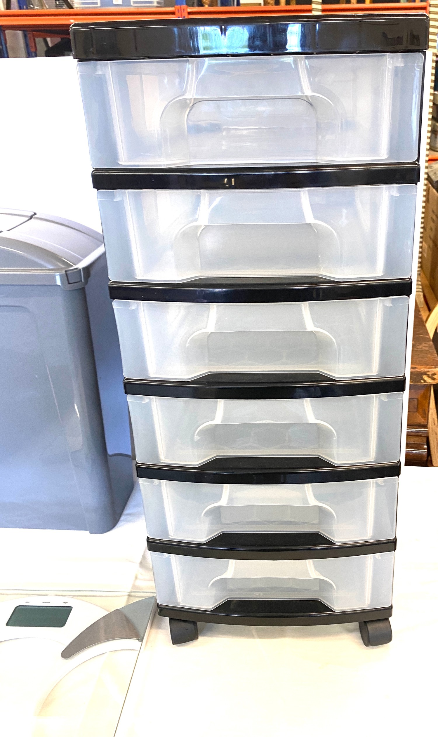 Selection of storage containers - Image 3 of 3