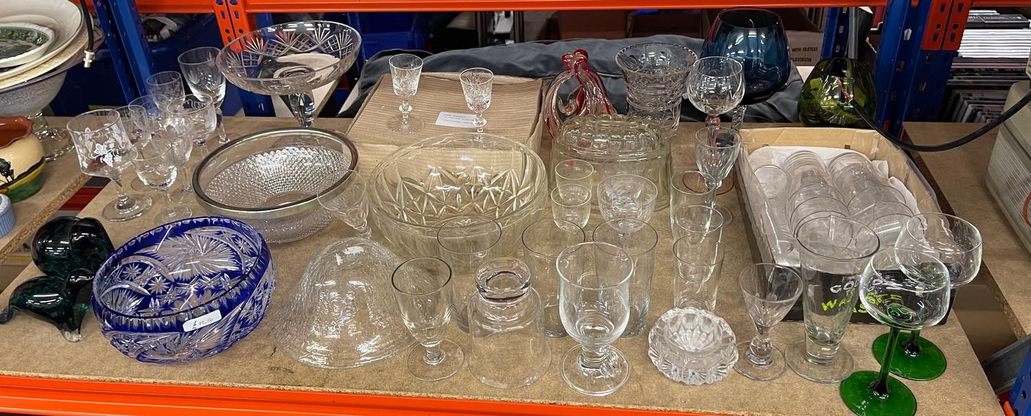 Large selection of assorted vintage and later glassware