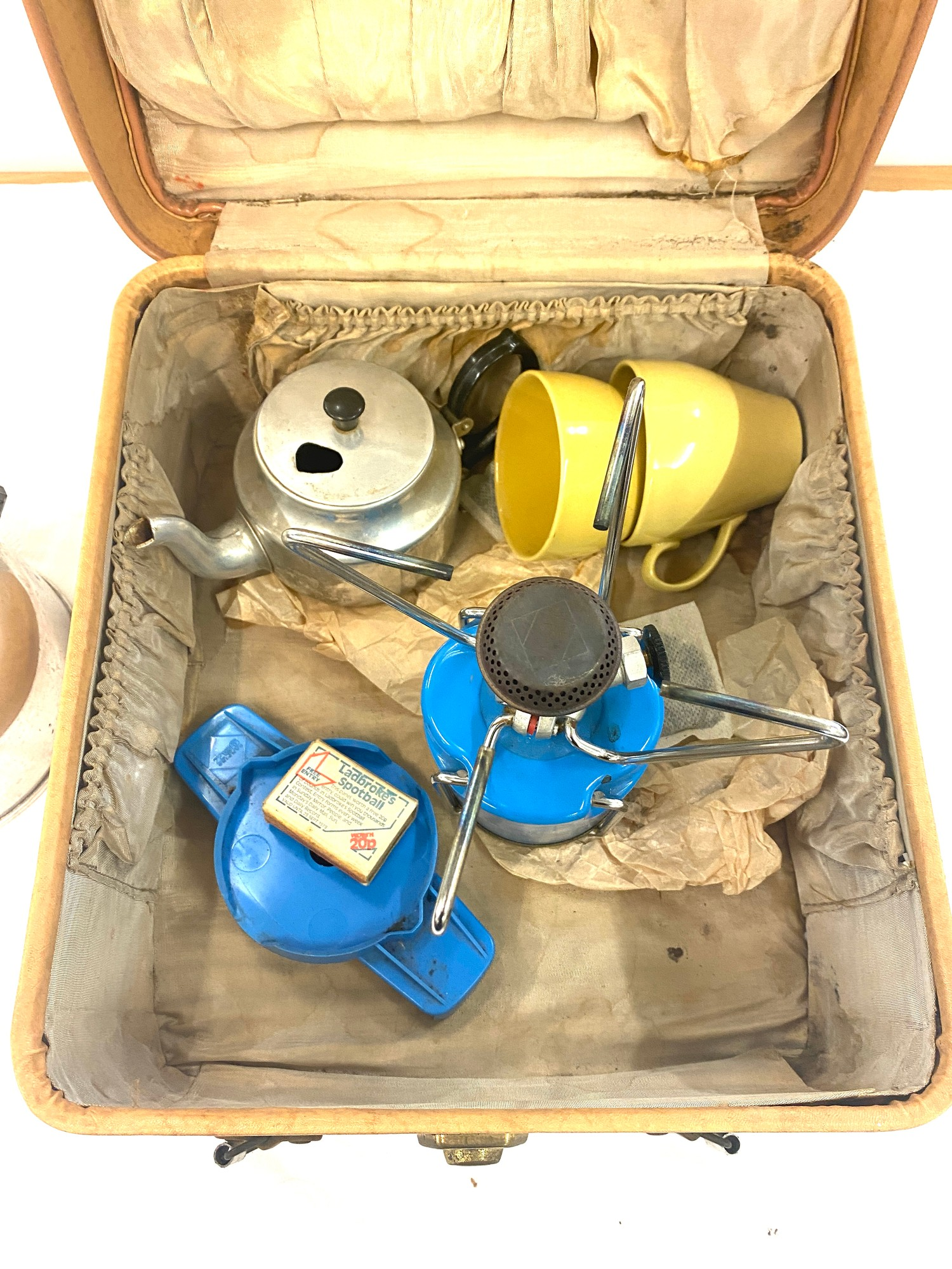 Selection of vintage camping equipment - Image 2 of 3
