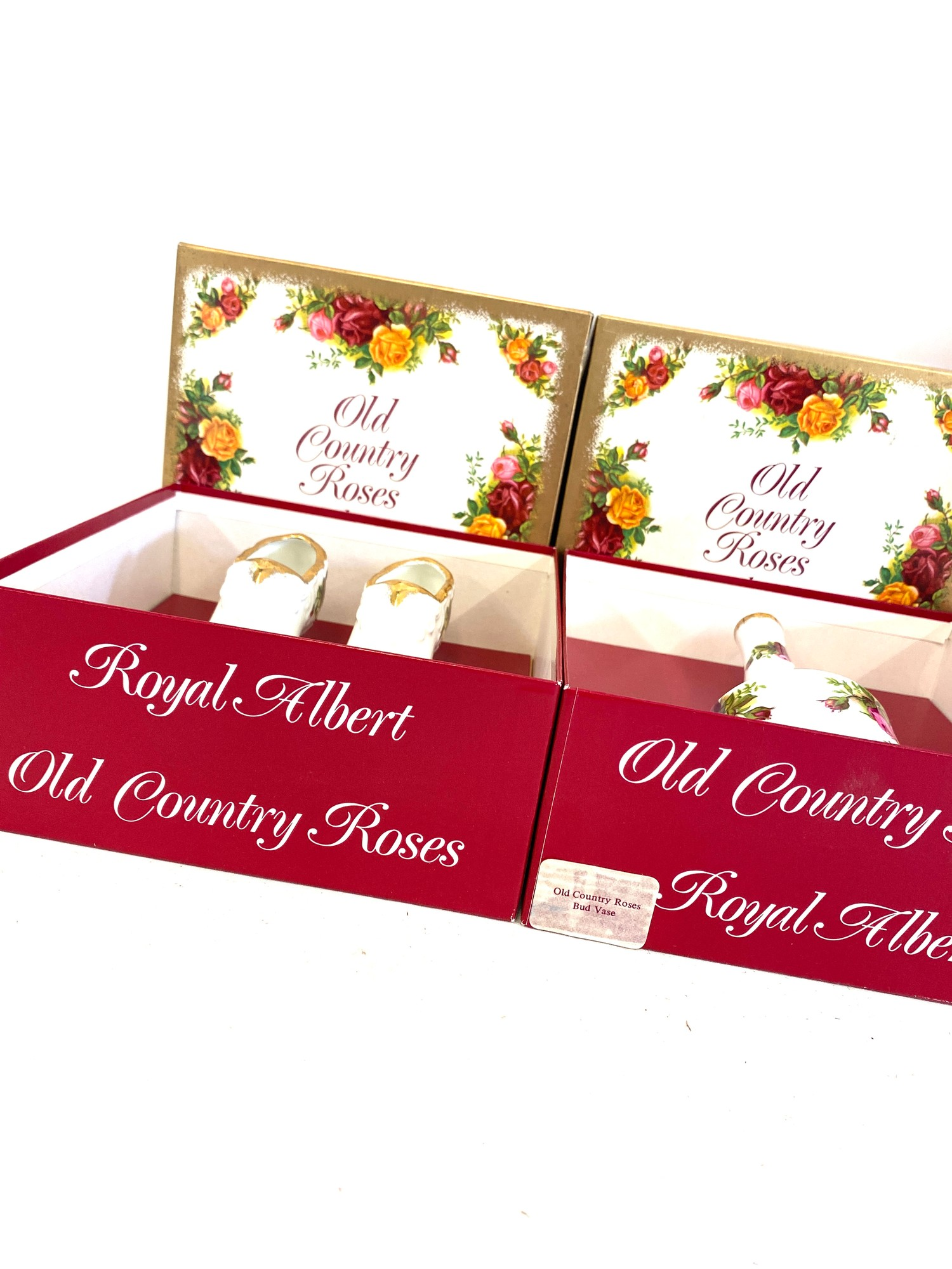 3 Boxed Royal Albert Old Country Roses pottery pieces includes vases etc - Image 3 of 4