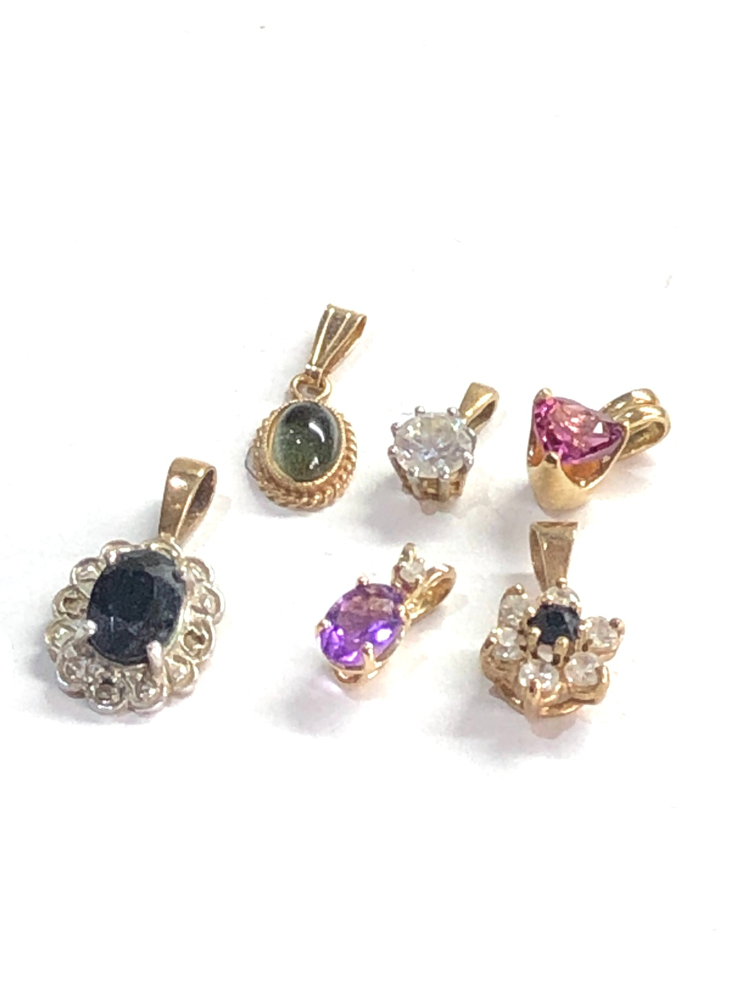 6 small 9ct gold pendants 3.3g - Image 2 of 2