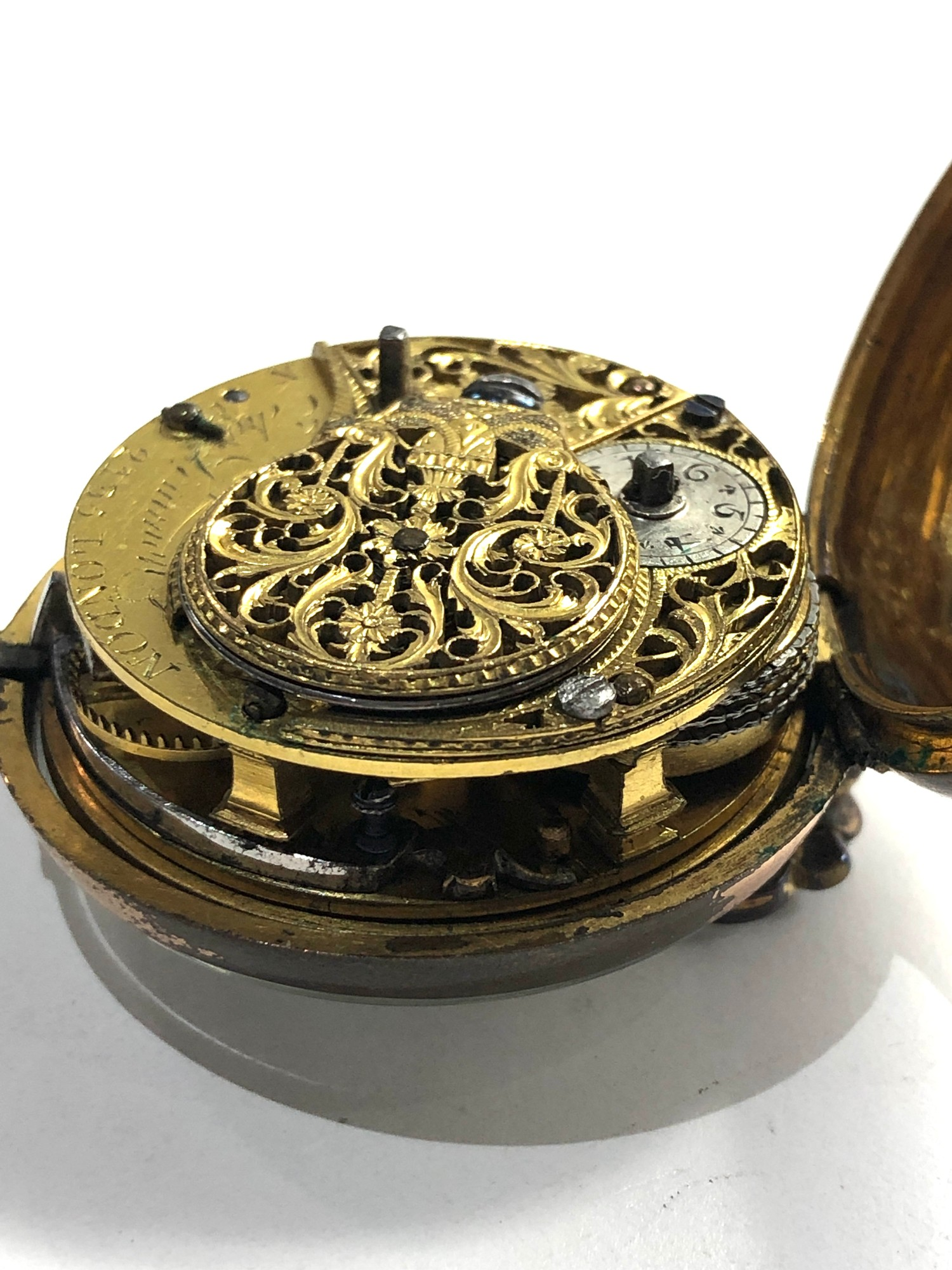 18th century London paircase verge pocket watch the watch does wind and tick dial damaged outer case - Image 4 of 9