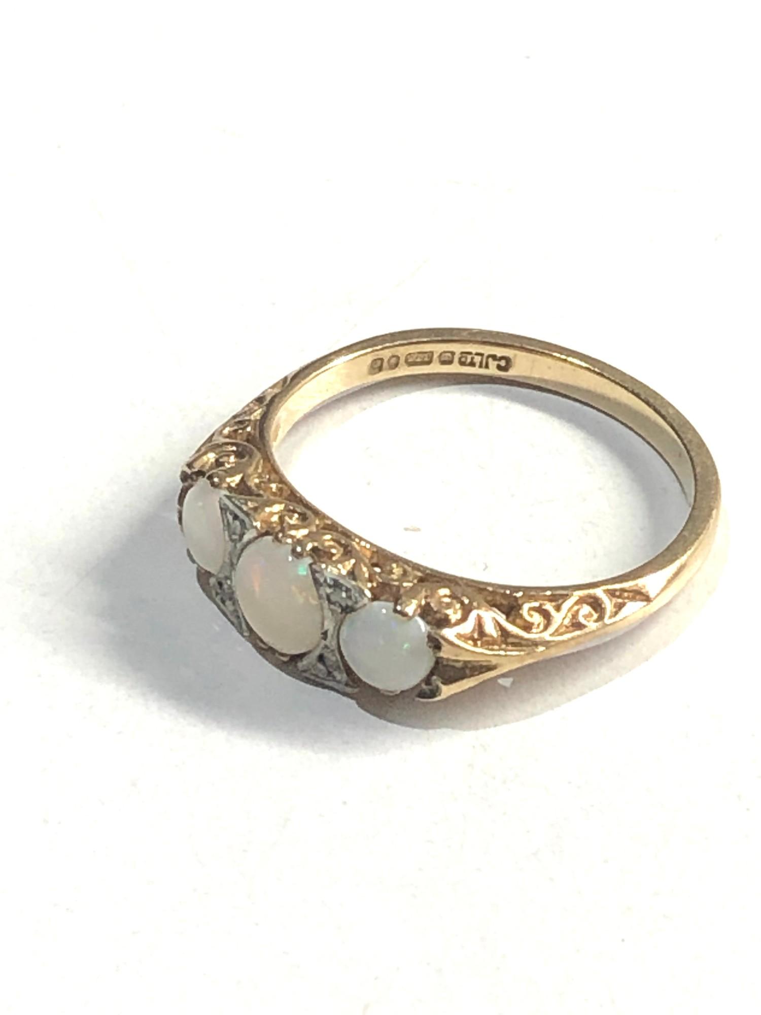 Vintage 9ct Gold opal & diamond detail ring 2.6G - Image 2 of 3
