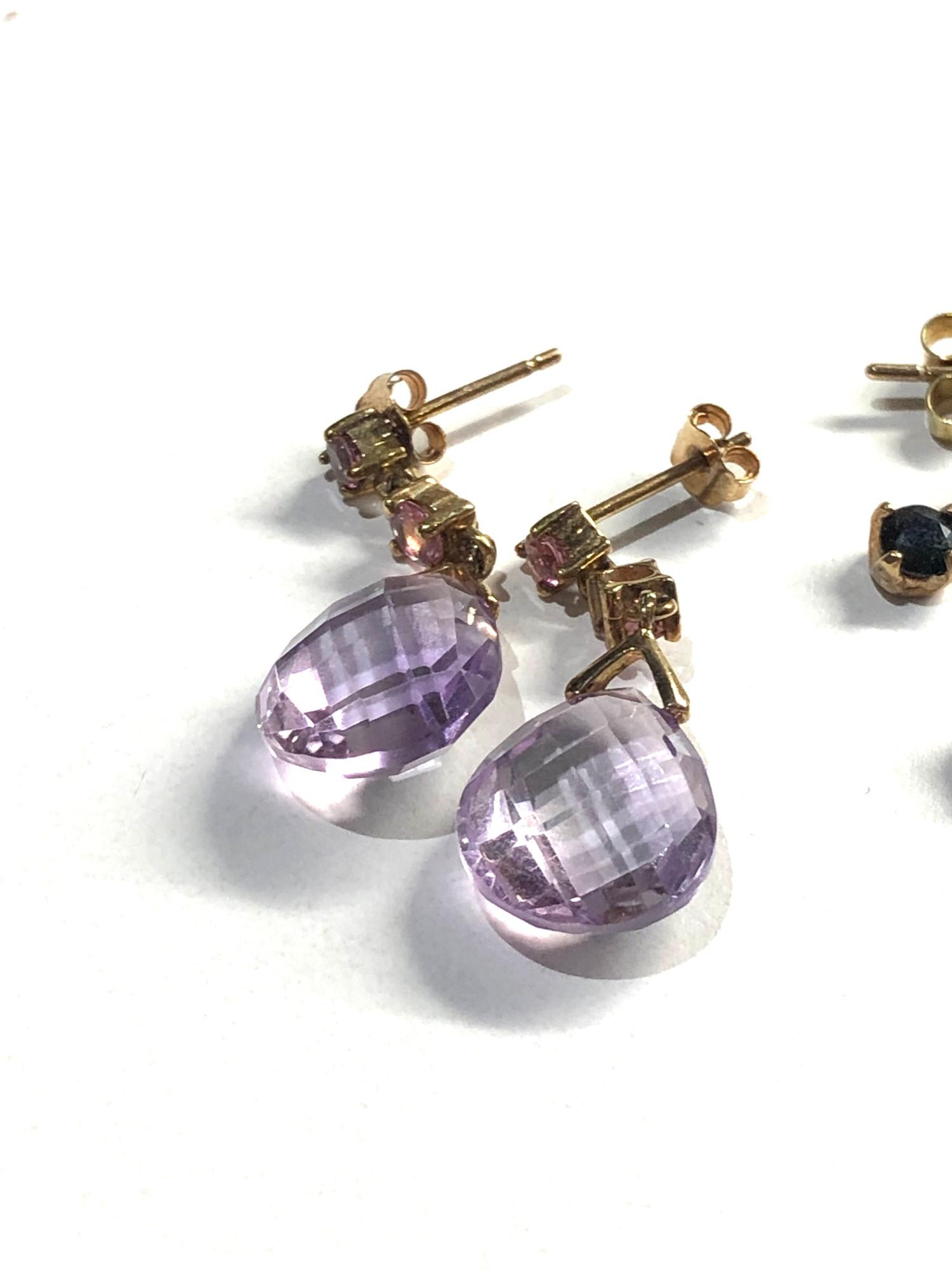 3 x 9ct Gold earrings inc. diamond studs, drops 4.5g - Image 2 of 3