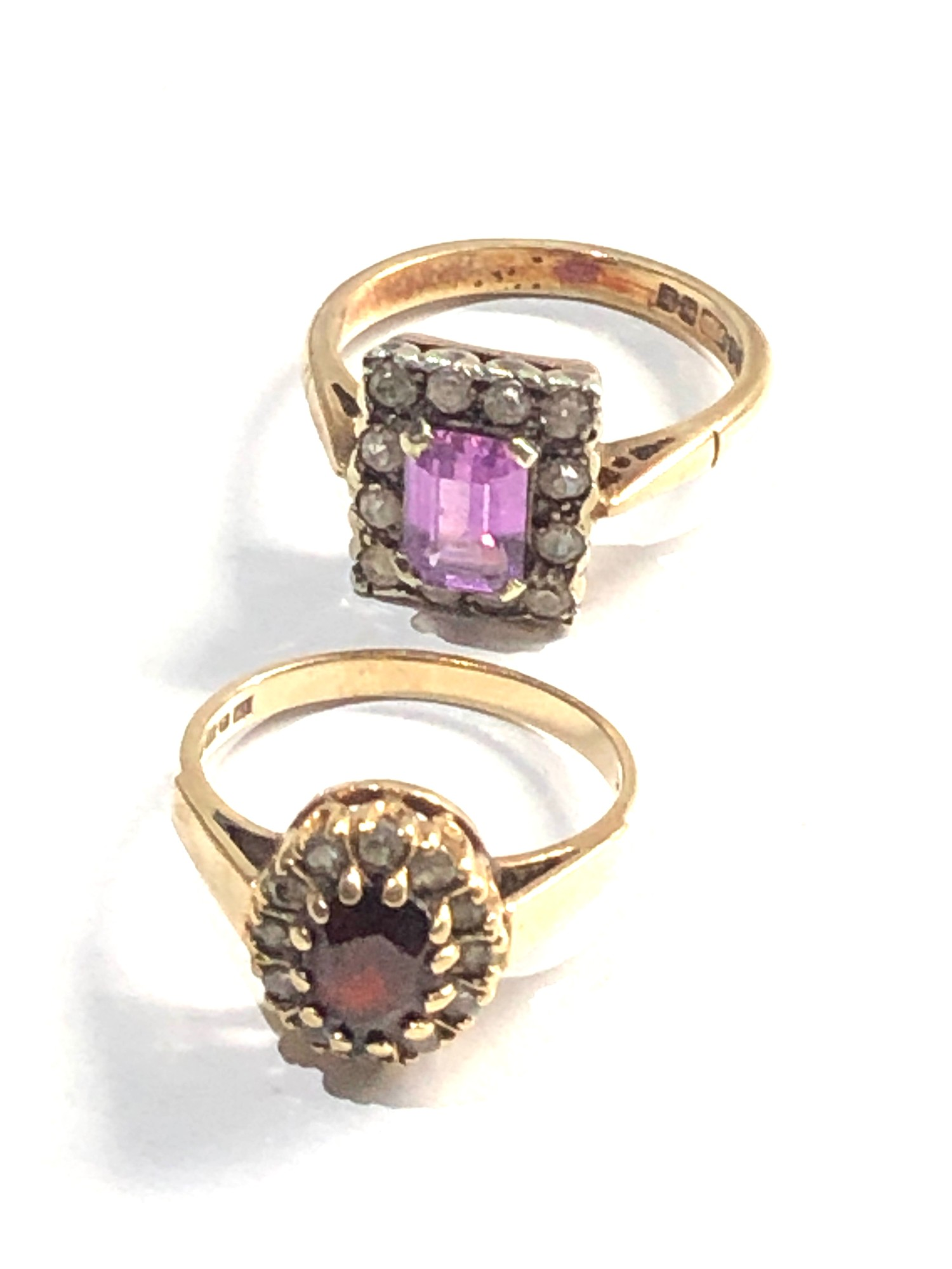 2 x 9ct gold cluster rings 6.2g - Image 2 of 3