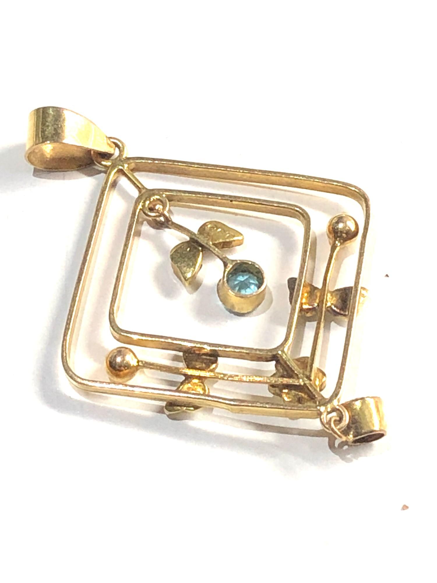9ct gold antique pendant 2g - Image 2 of 2