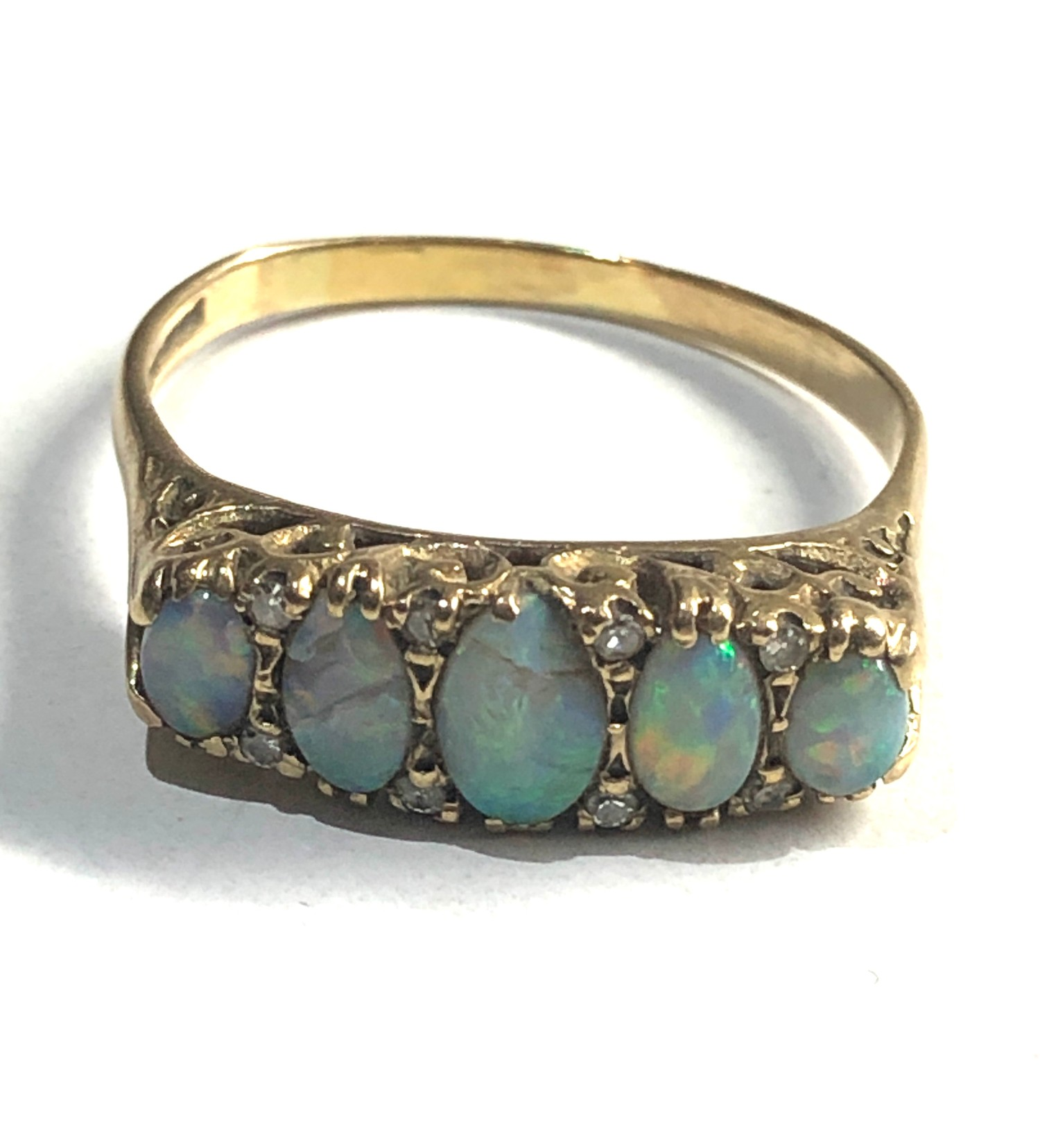 vintage 9ct Gold opal and diamond 5 stone ring *two opals are chipped