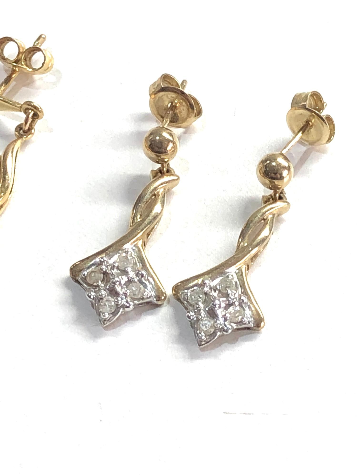 2 x 9ct Gold drop earrings w/ diamond detail 4.9g - Image 3 of 3