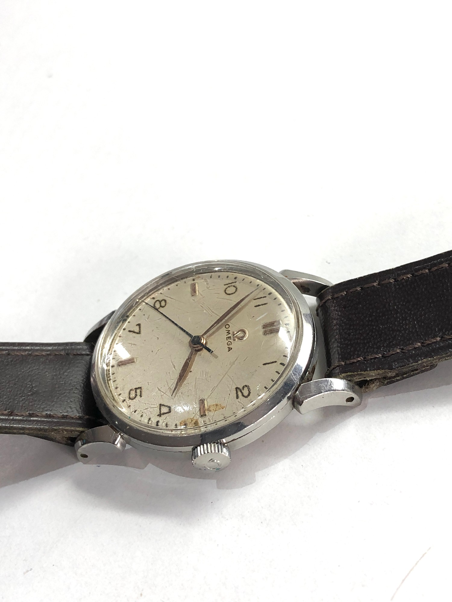 Vintage gents omega wristwatch hand wind in working order but no warranty given - Image 3 of 4