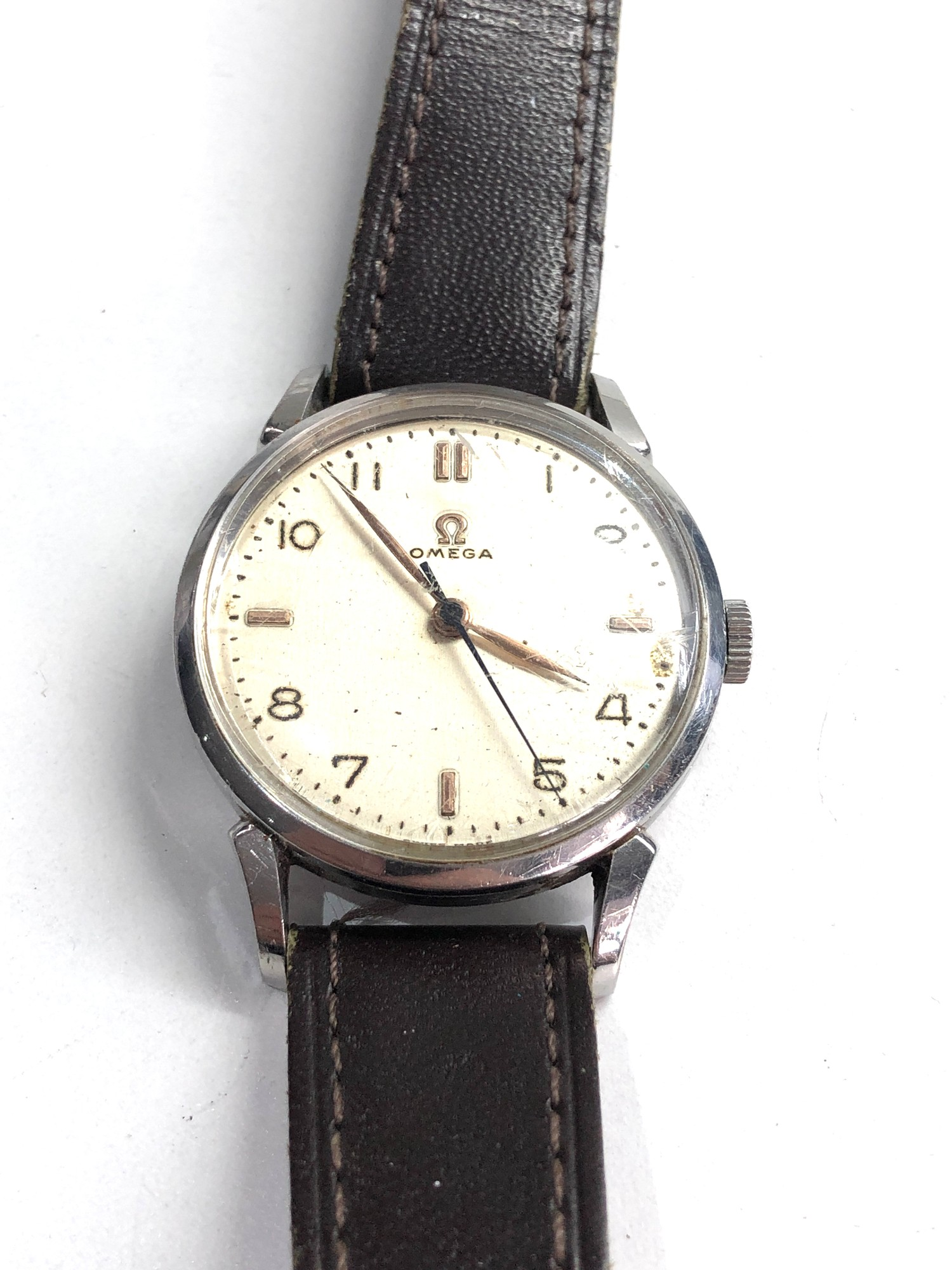 Vintage gents omega wristwatch hand wind in working order but no warranty given