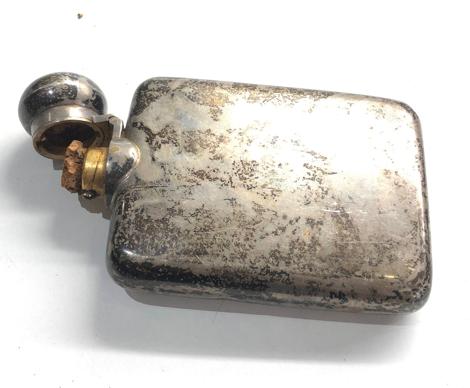 Silver hip flask Birmingham silver hallmarks weight 102g cork fitting lid does not close tight - Image 4 of 5