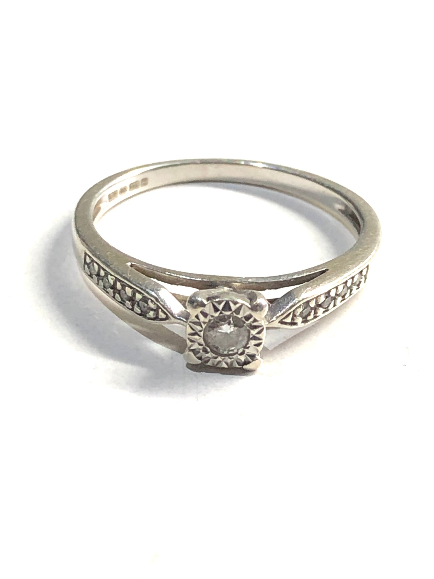 9ct White gold diamond ring 1.8g - Image 2 of 3