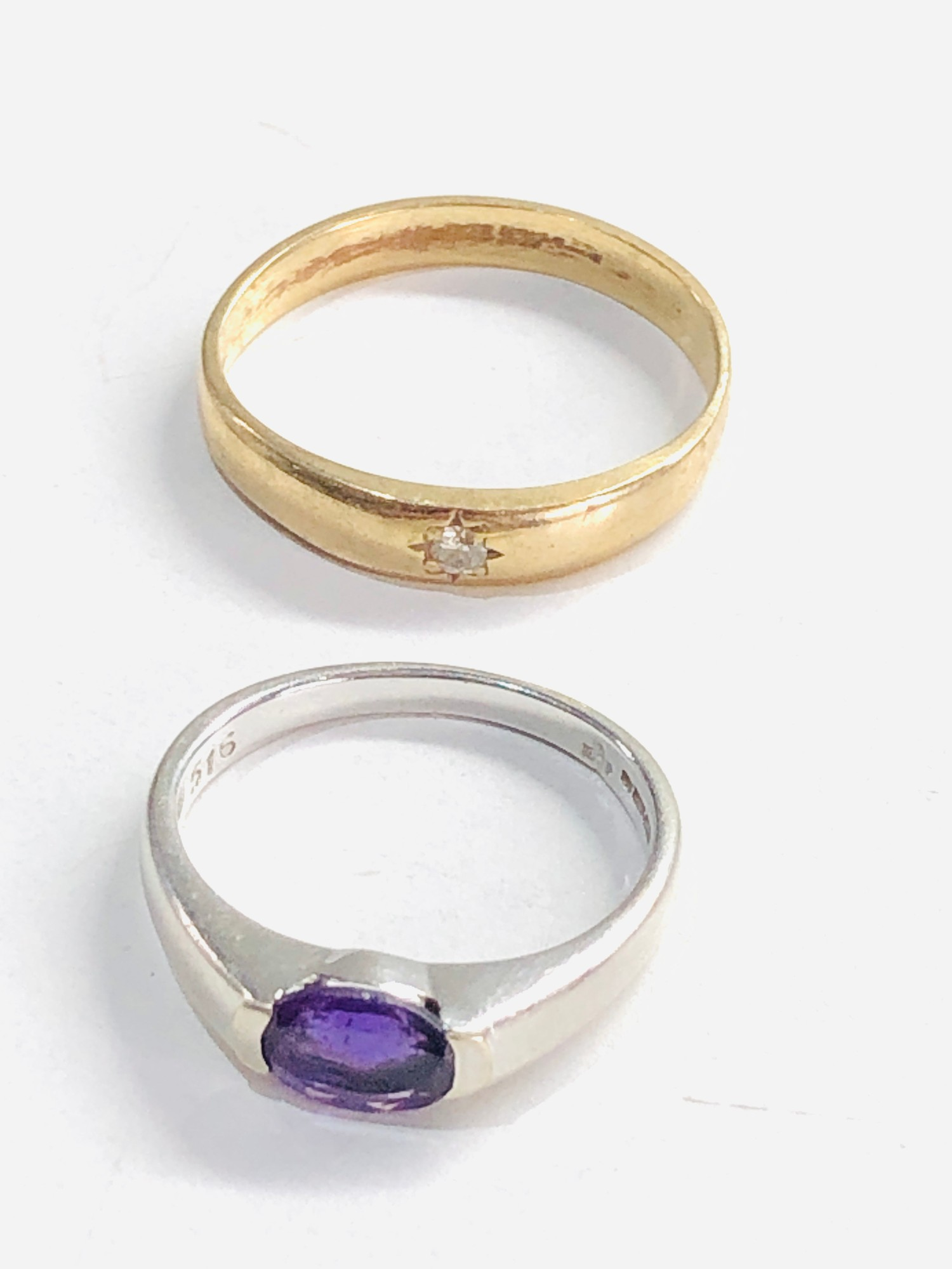 2 x 9ct gold diamond ring and white gold amethyst ring 4.8g