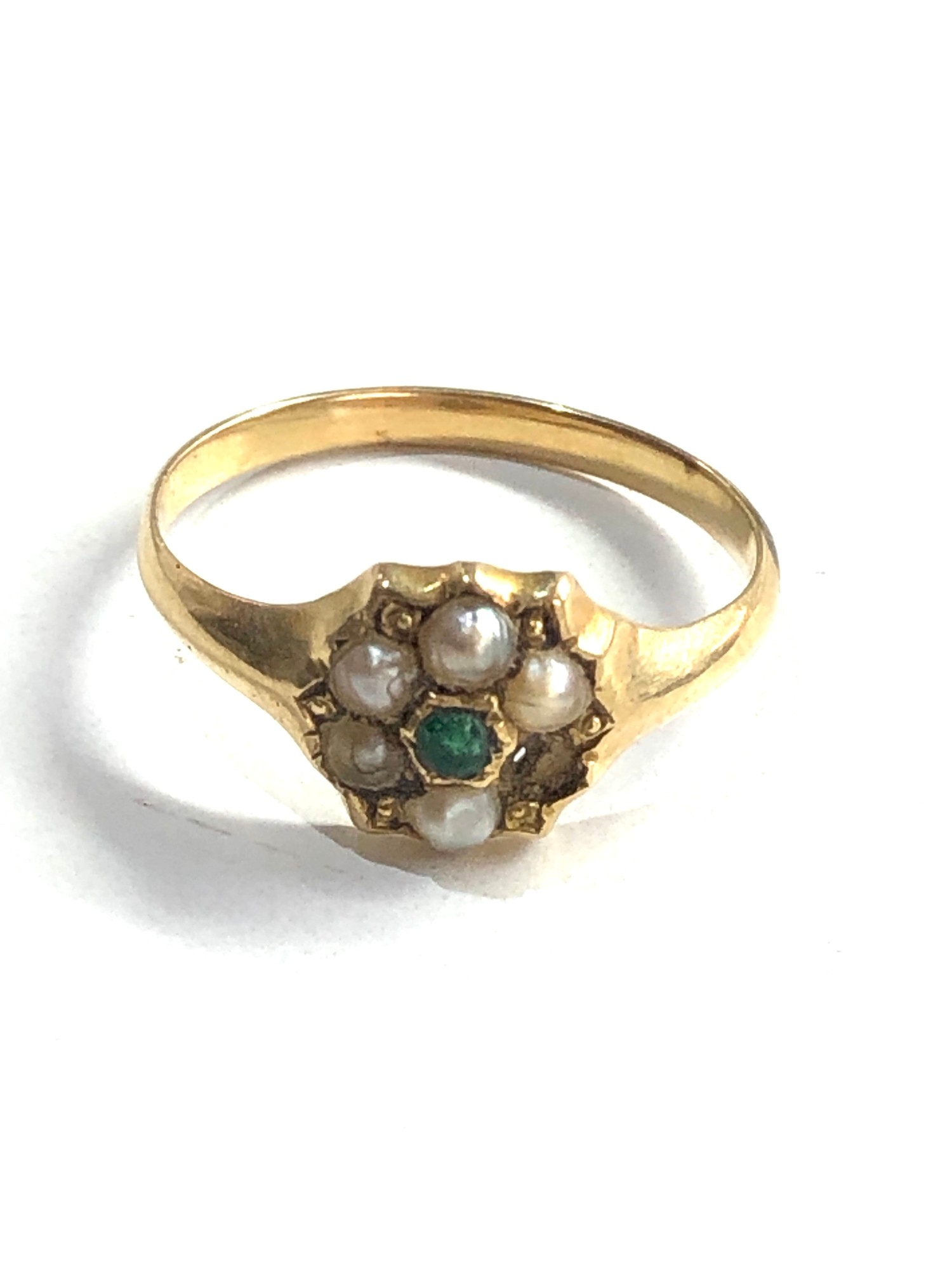Antique 15ct gold emerald and seed-pearl ring missing pearl weight 2g xrt as 15ct gold