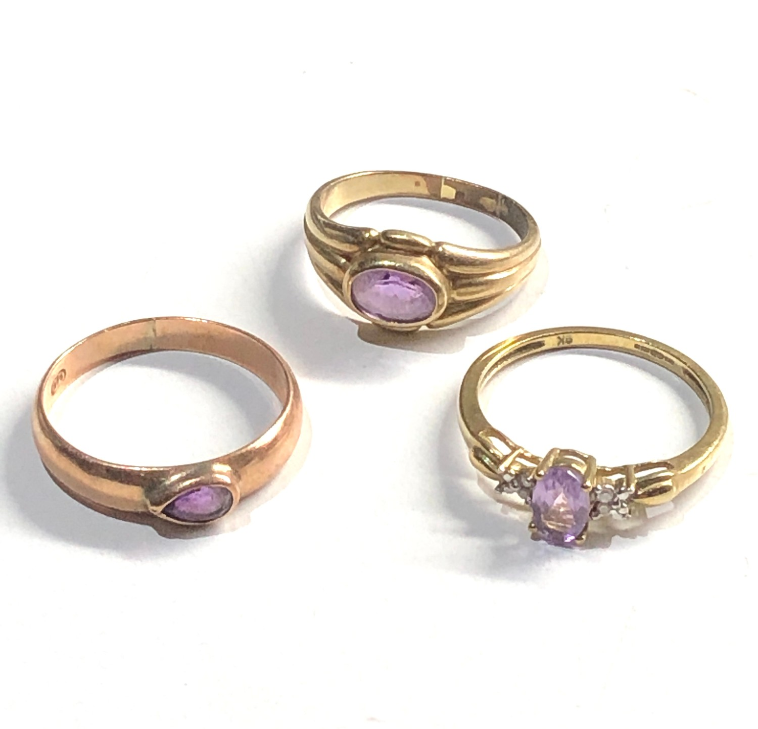 3 x 9ct Gold rings inc. amethyst, solitaire, diamond detail 5.4g