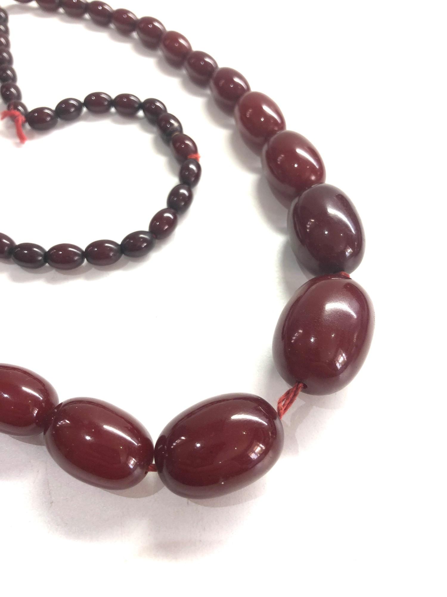 Cherry amber / bakelite bead necklace 59g no internal streaking - Image 2 of 3