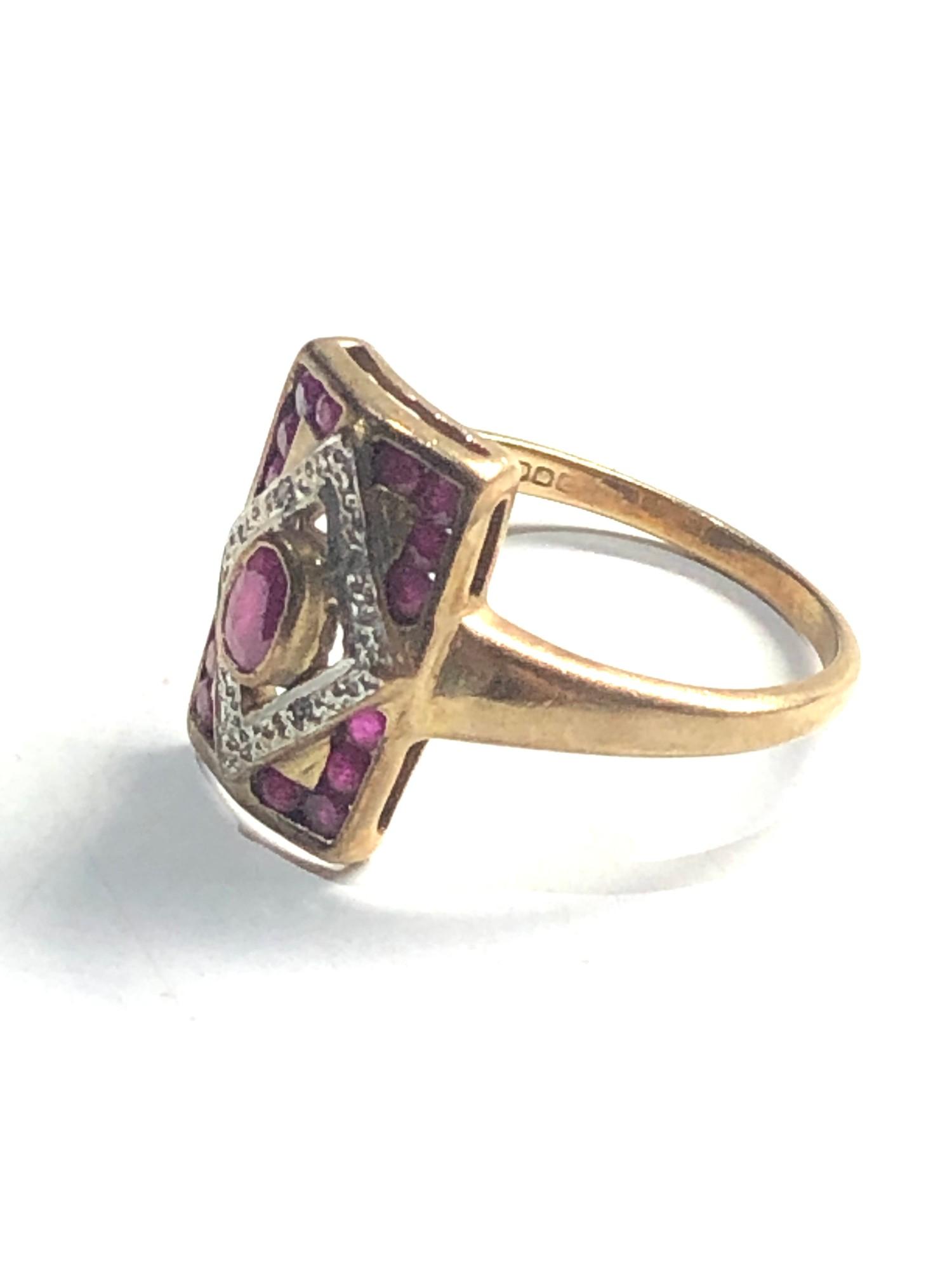 Vintage 9ct Gold ruby ring w/ diamond detail 4g - Image 2 of 3