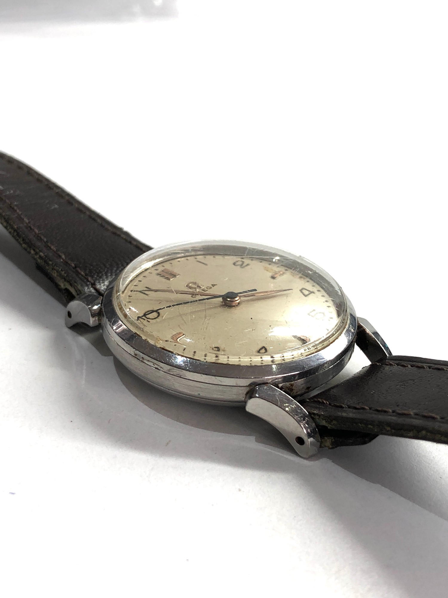 Vintage gents omega wristwatch hand wind in working order but no warranty given - Image 4 of 4