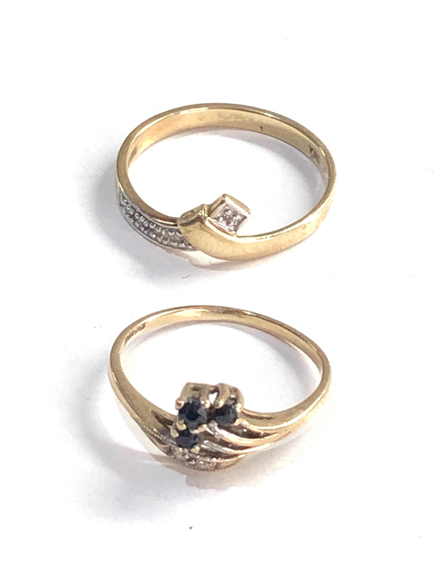 2 x 9ct gold diamond detail rings inc. sapphire 2.5g