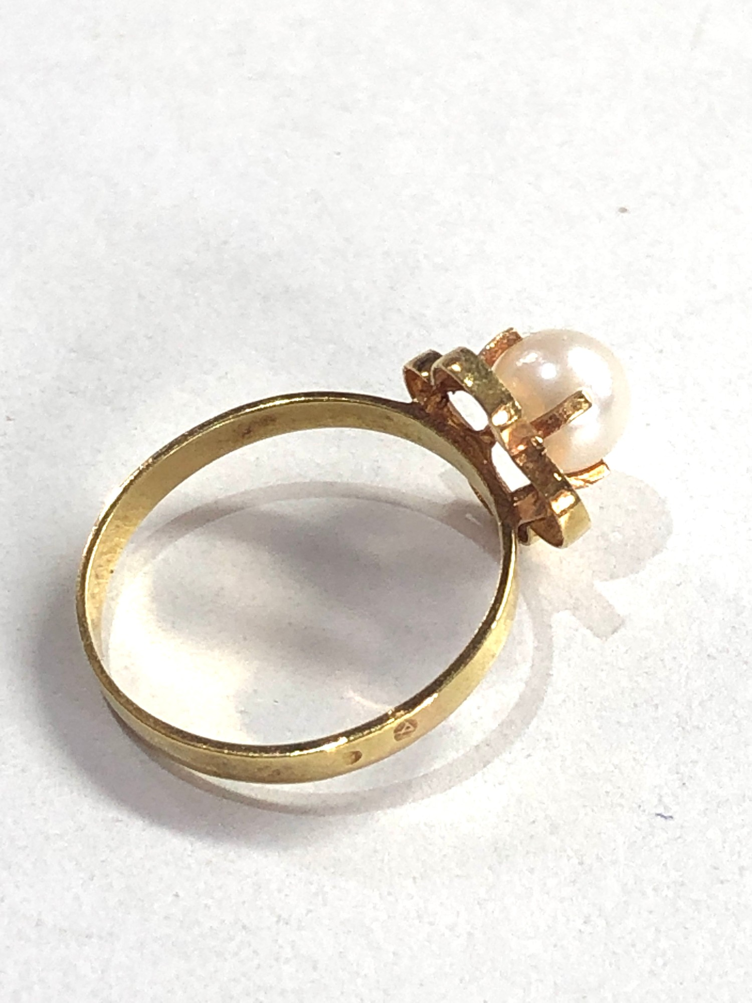 18ct pearl ring 1.7g - Image 2 of 3