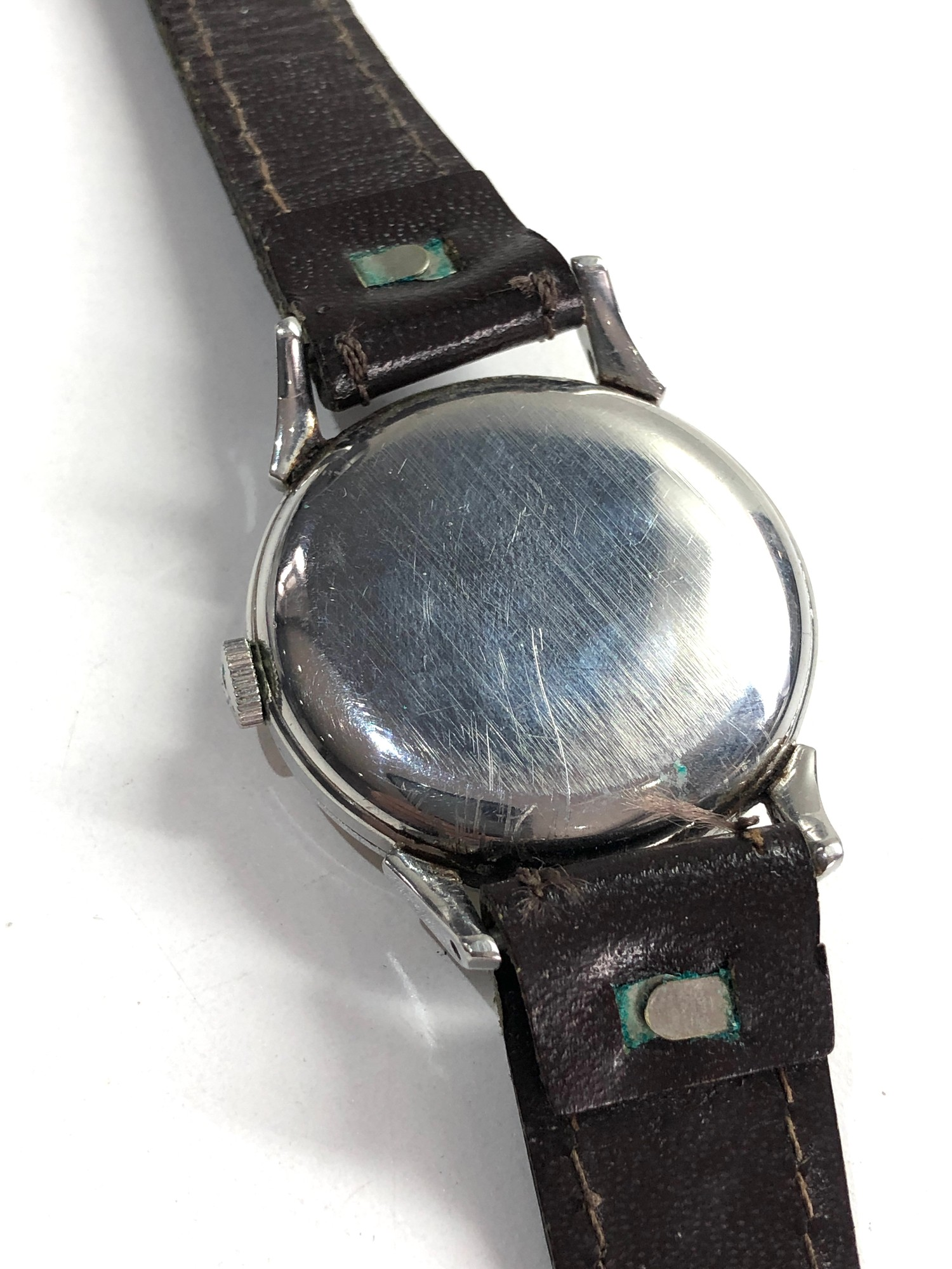 Vintage gents omega wristwatch hand wind in working order but no warranty given - Image 2 of 4